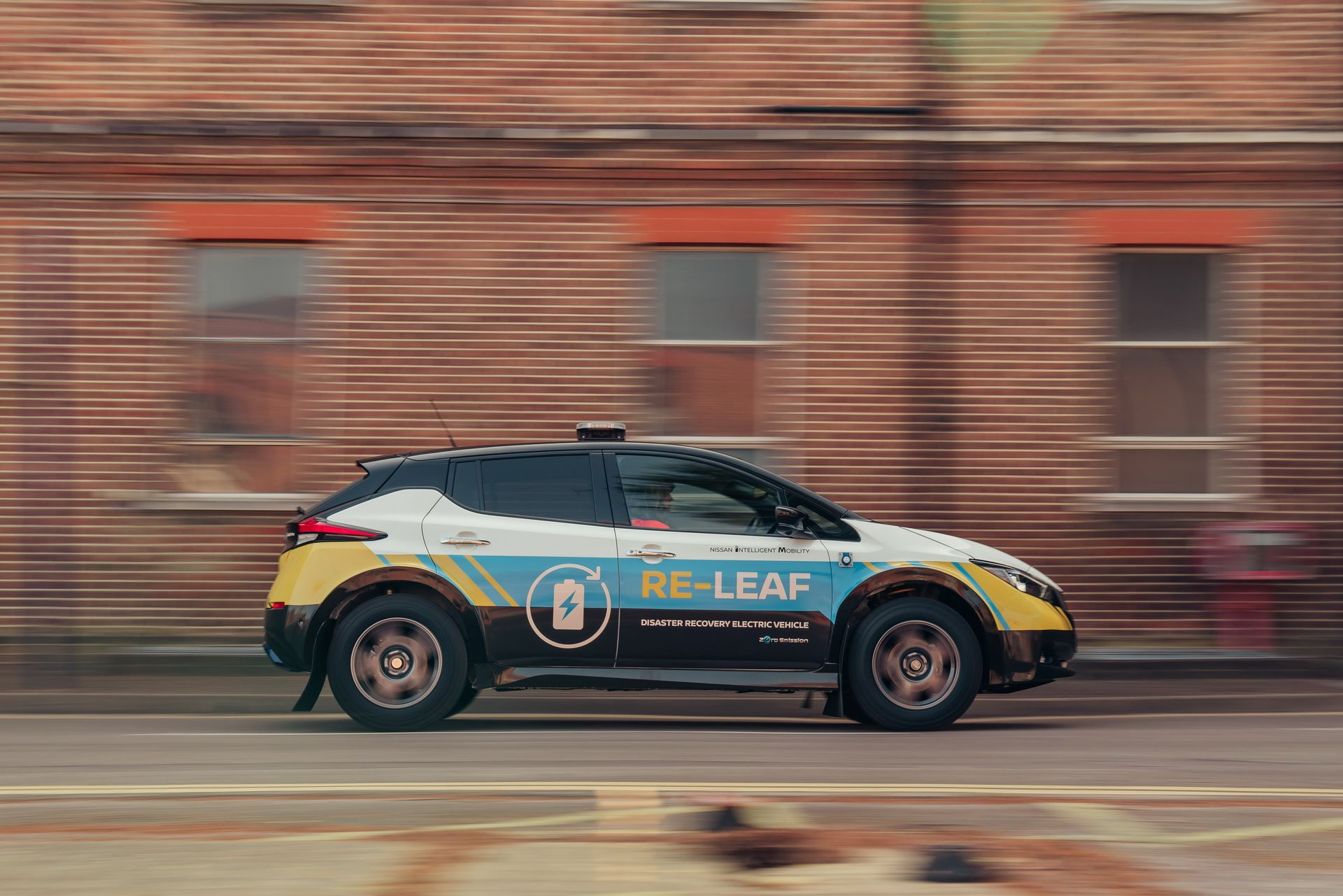 Nissan-Re-Leaf-Concept-5