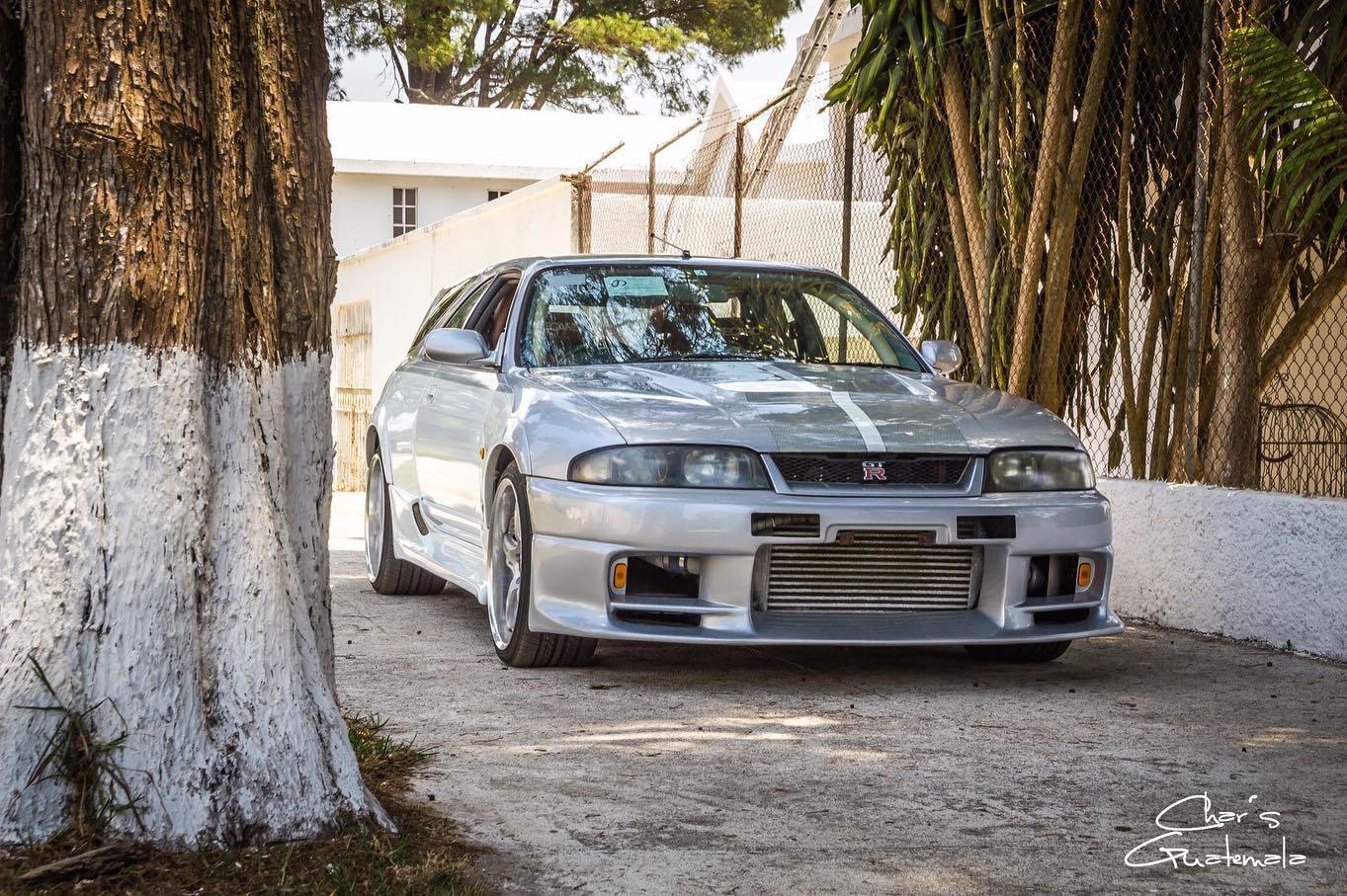 Nissan-Skyline-GT-R-R33-Speedwagon-1