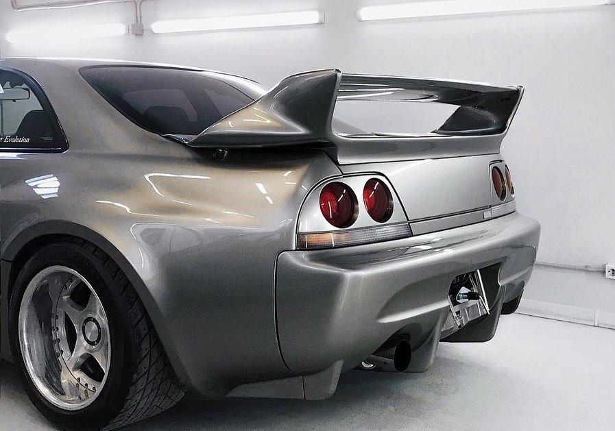 Nissan_Skyline_R33_Veilside_0005