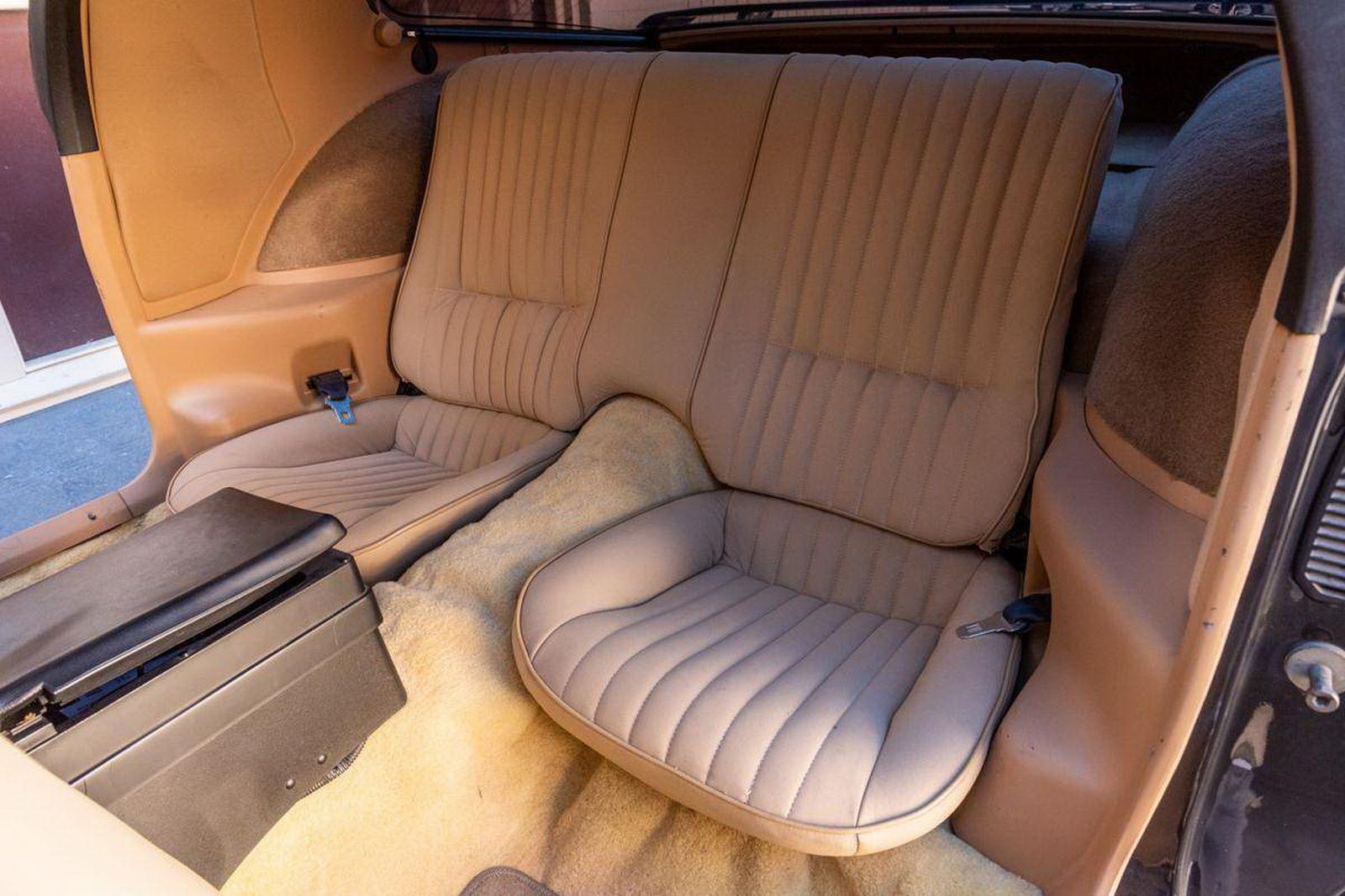 1982-pontiac-firebird-kitt-replica-george-barris-39