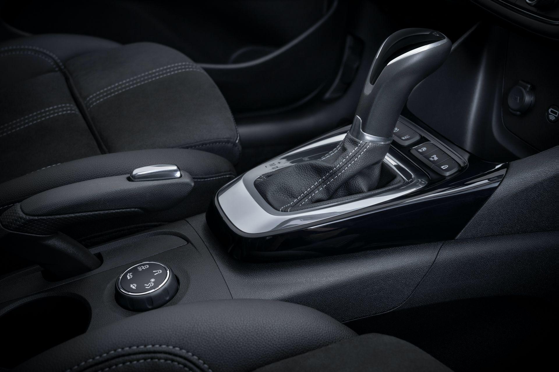Opel-Crossland-facelift-11