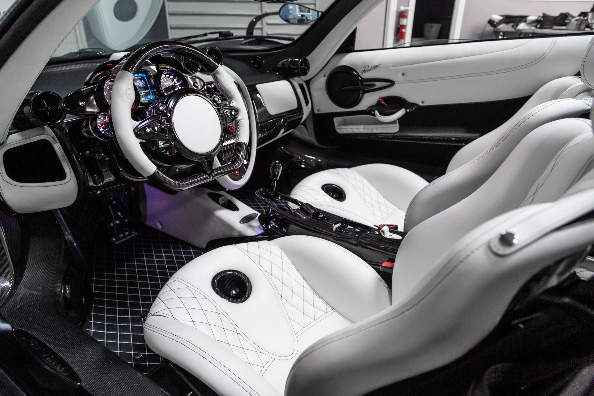 Pagani_Huayra_Roadster_sale_0005