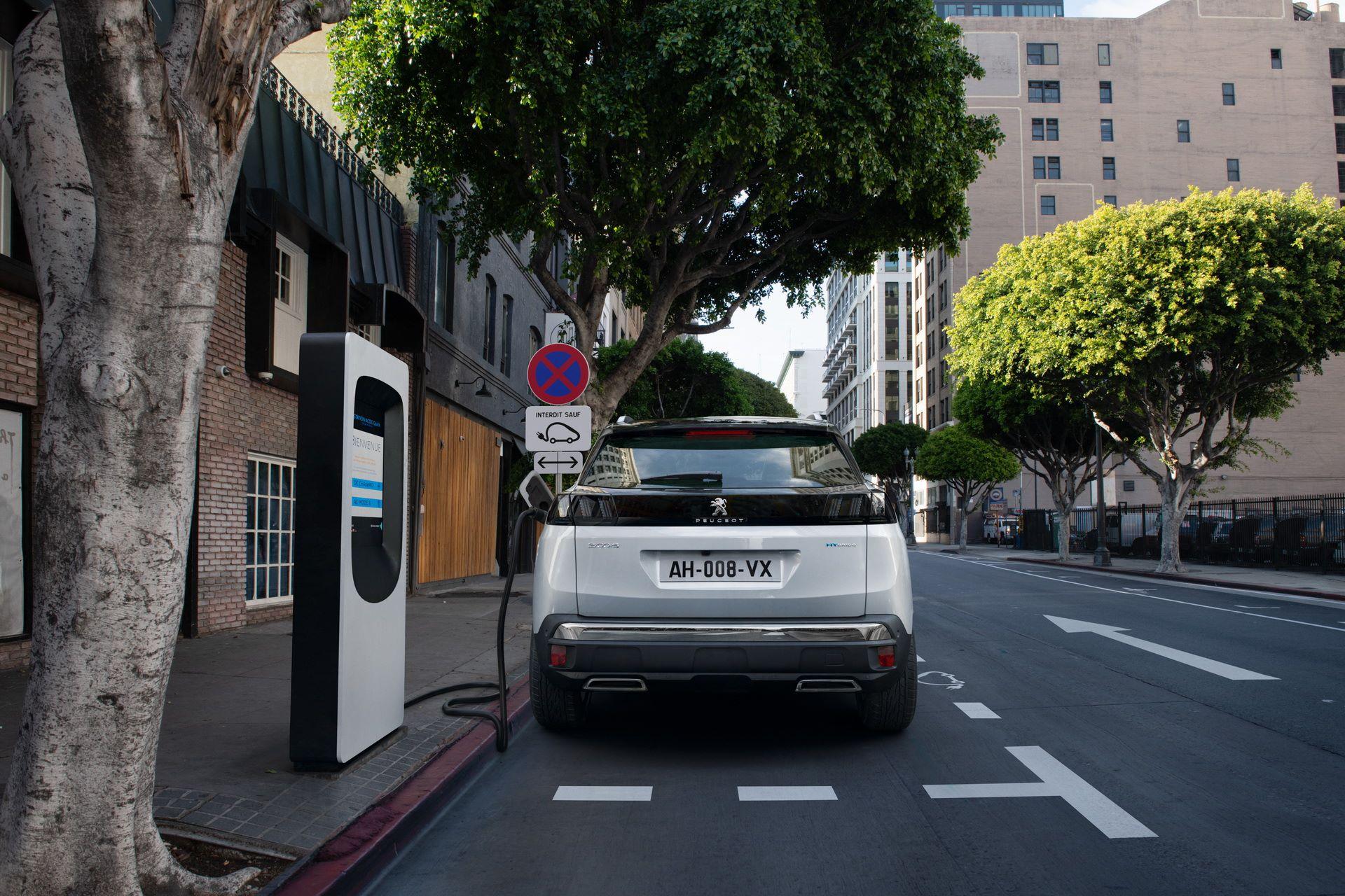 Peugeot-3008-facelift-2021-18