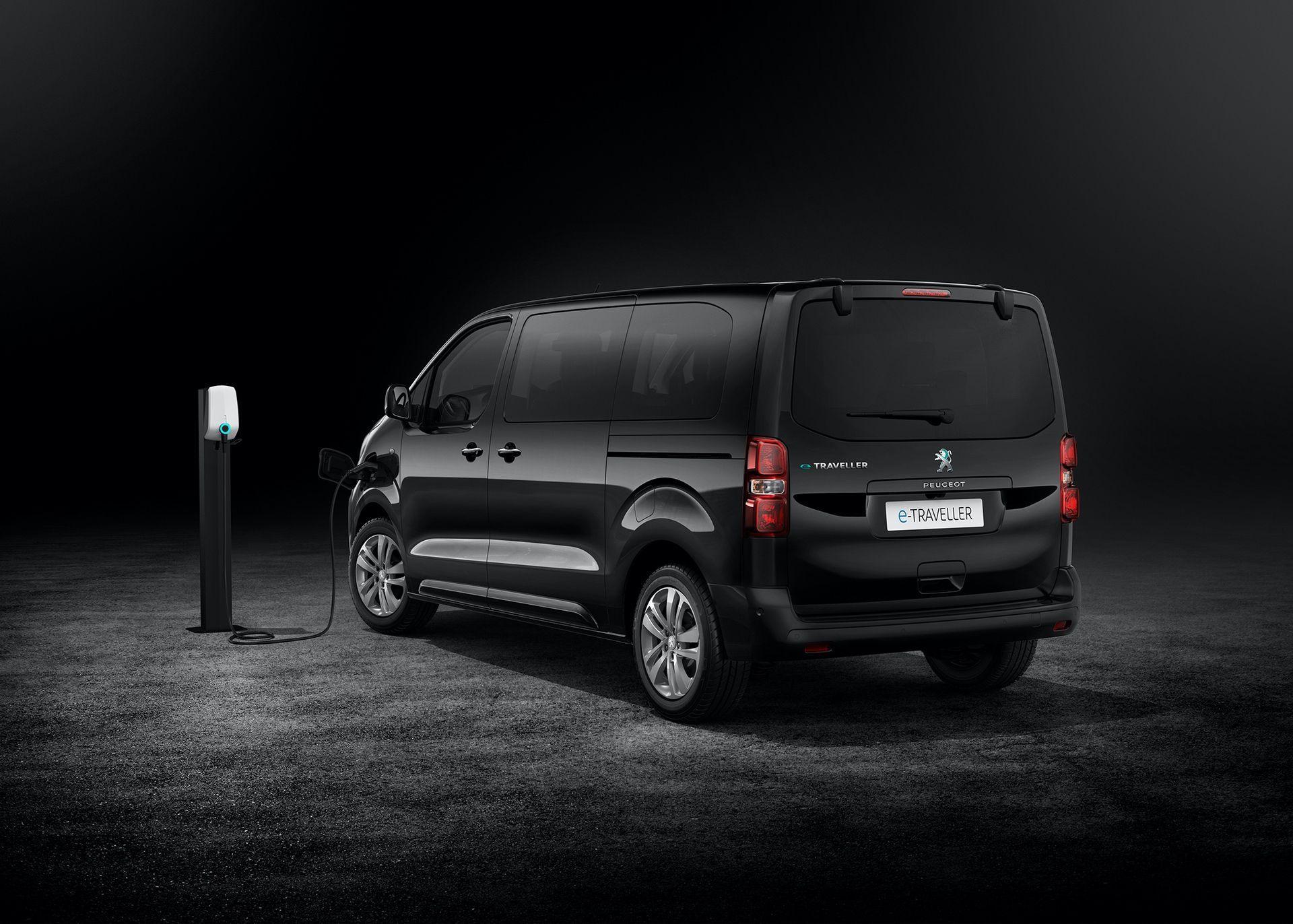 Peugeot_e-Traveller_0001