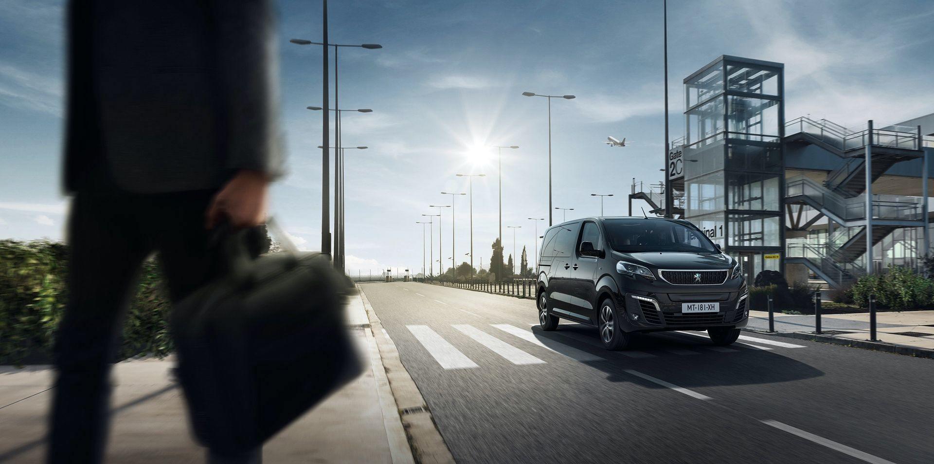 Peugeot_e-Traveller_0009