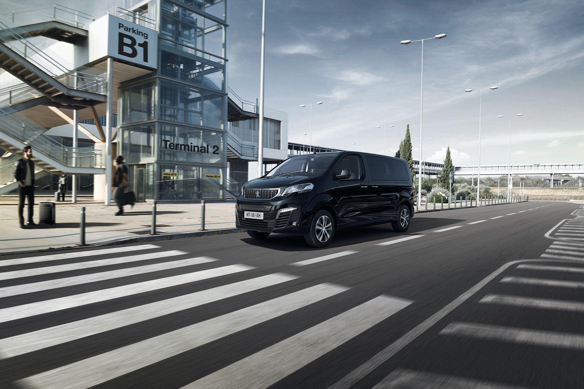 Peugeot_e-Traveller_0010