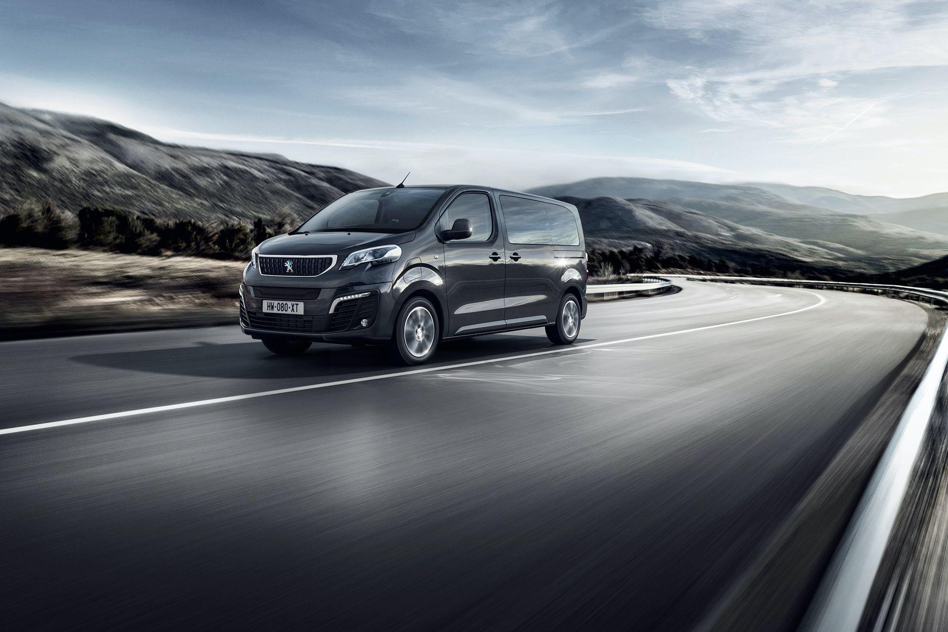 Peugeot_e-Traveller_0012