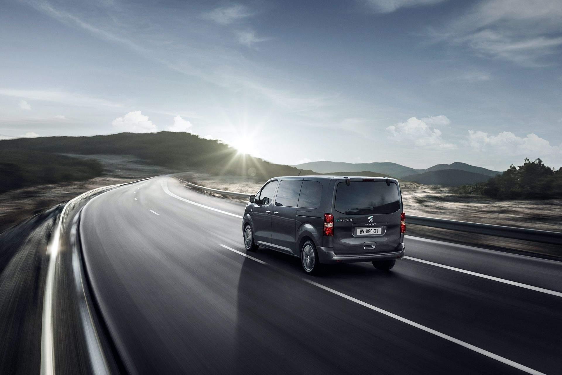Peugeot_e-Traveller_0013