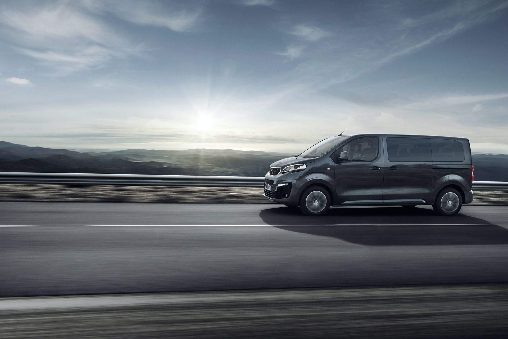 Peugeot_e-Traveller_0014
