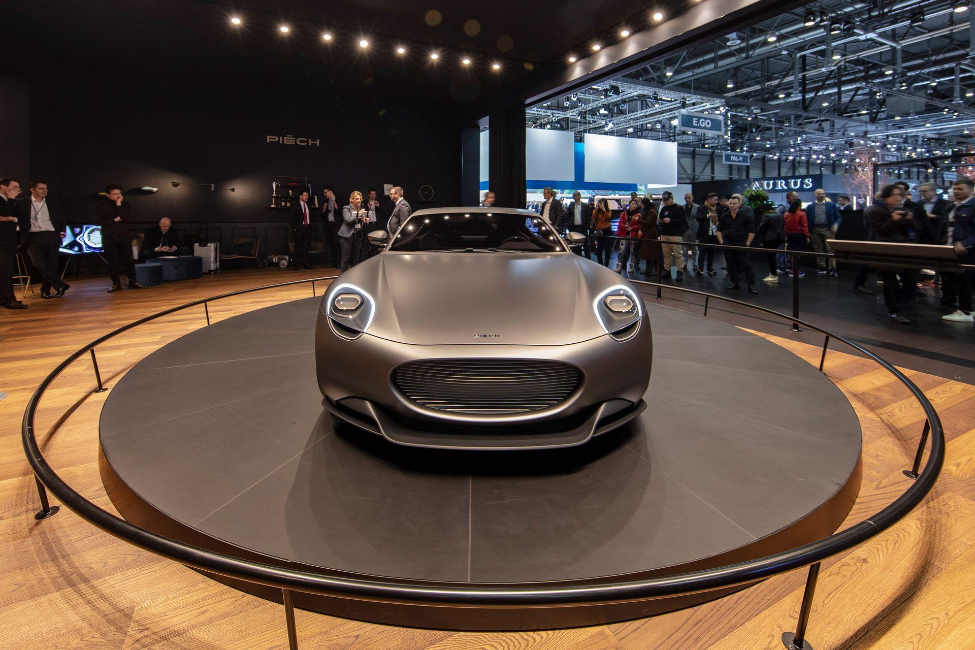 Geneva_Motorshow_Premiere_1