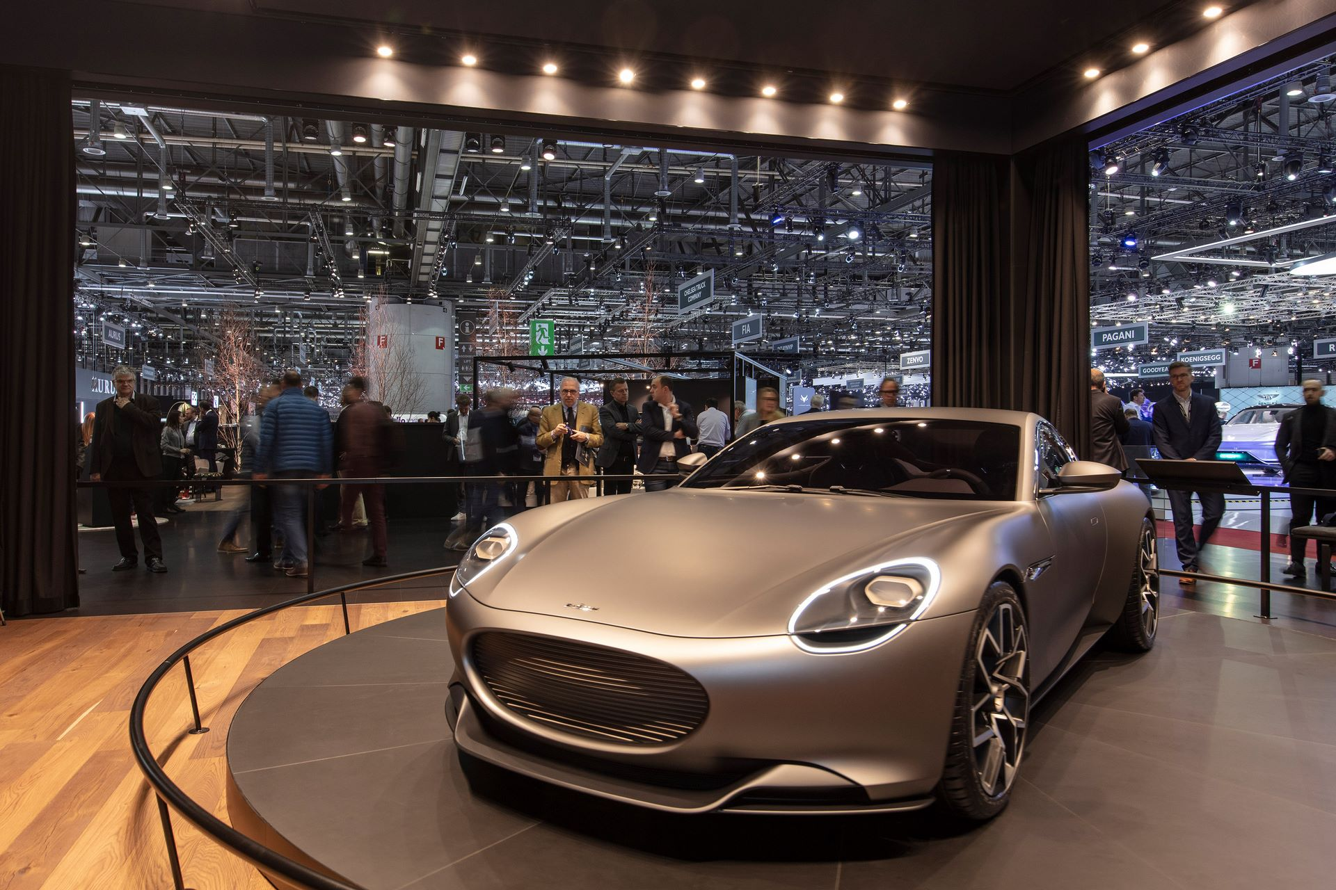 Geneva_Motorshow_Premiere_3