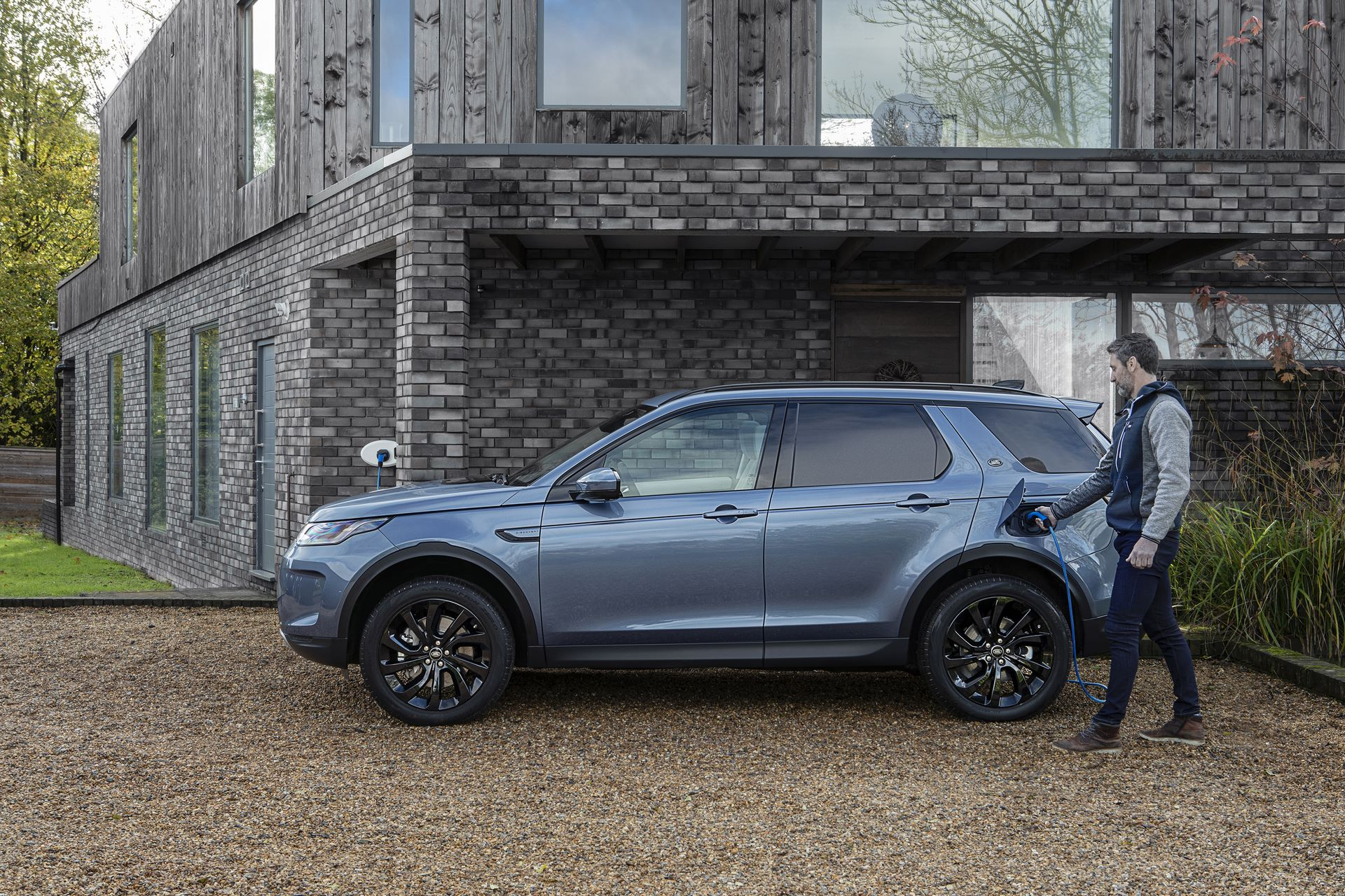 Plug-in-hybrid-Land-Rover-Discovery-Sport-PHEV-10