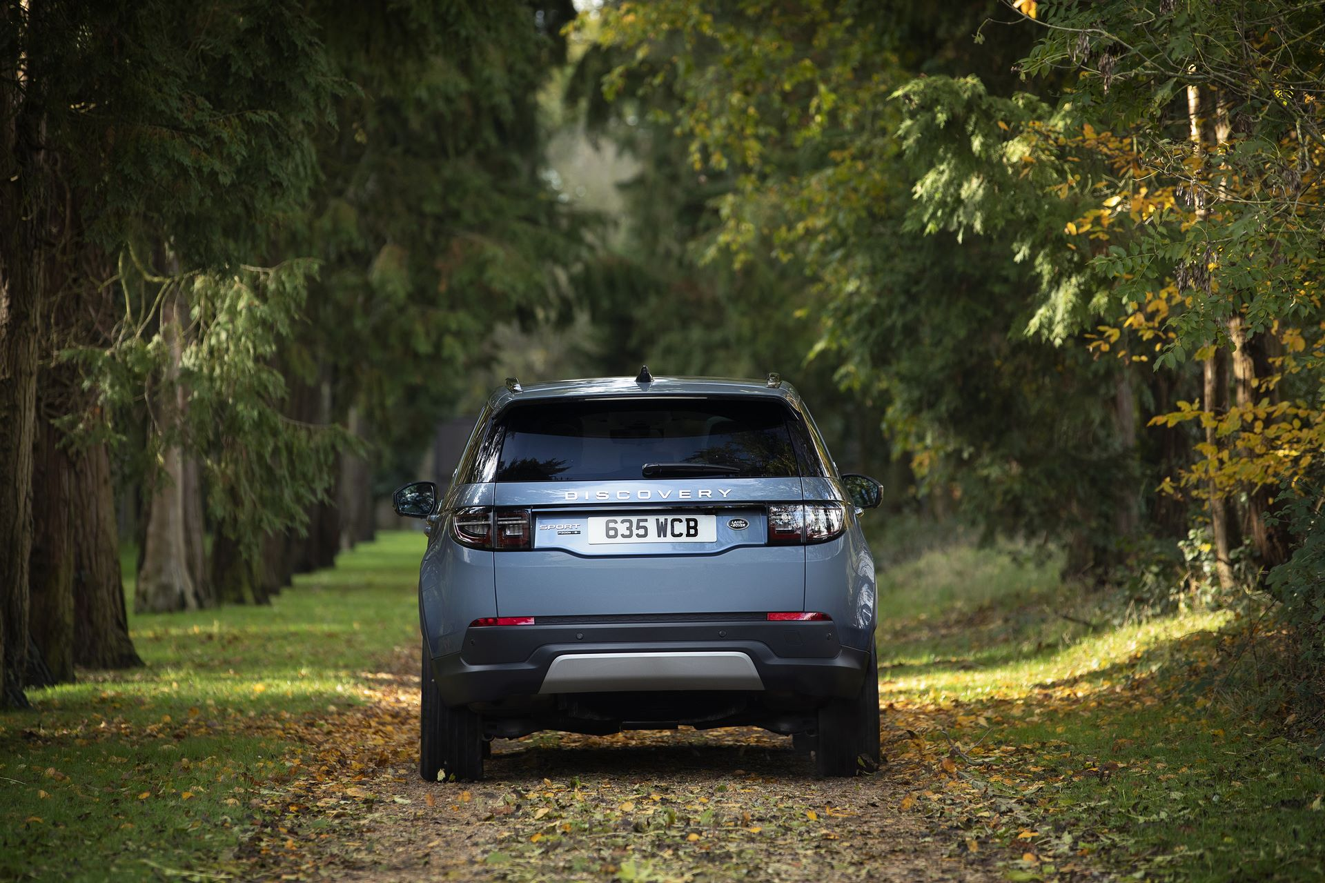 Plug-in-hybrid-Land-Rover-Discovery-Sport-PHEV-6
