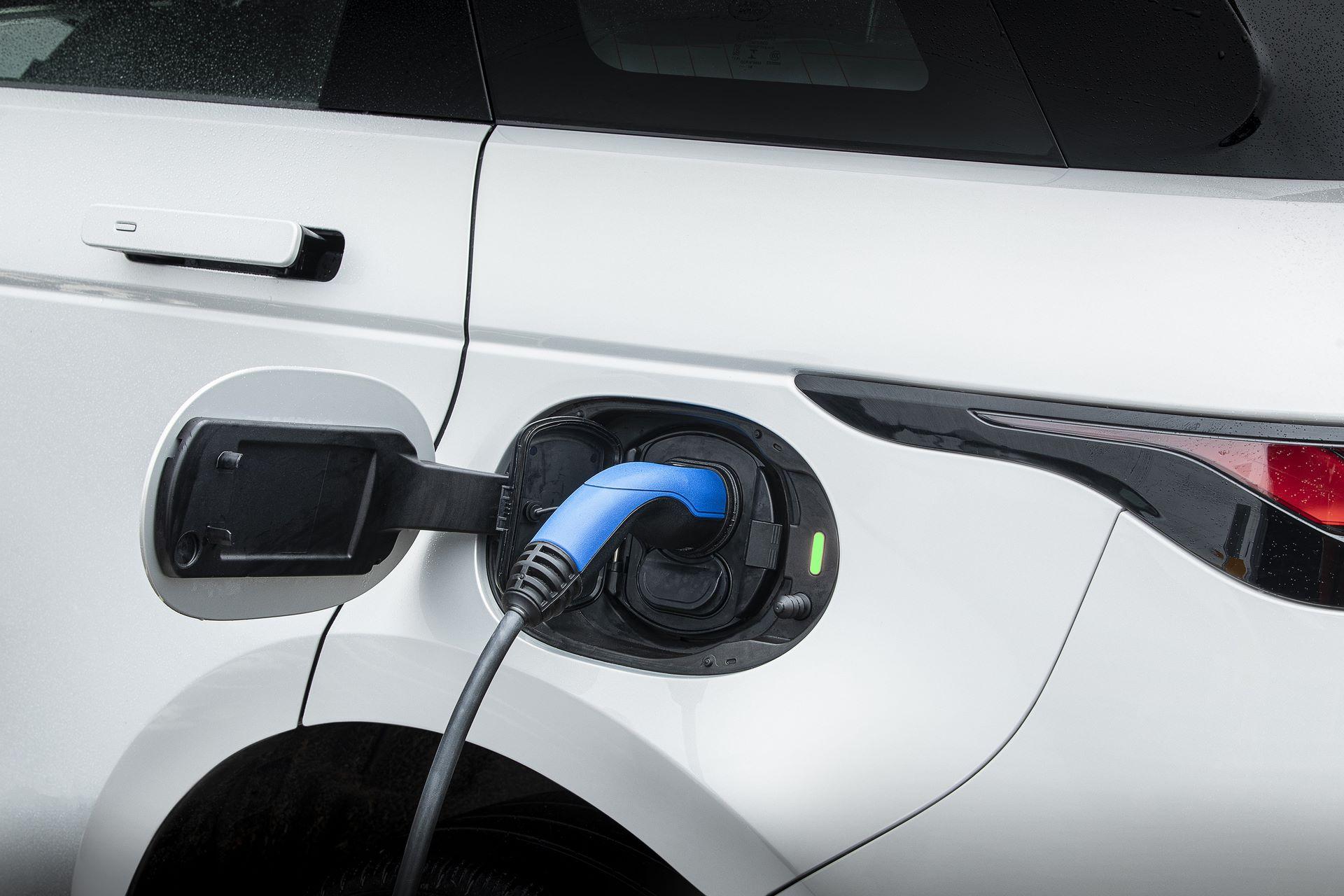 Plug-in-hybrid-Rabge-Rover-Evoque-PHEV-10