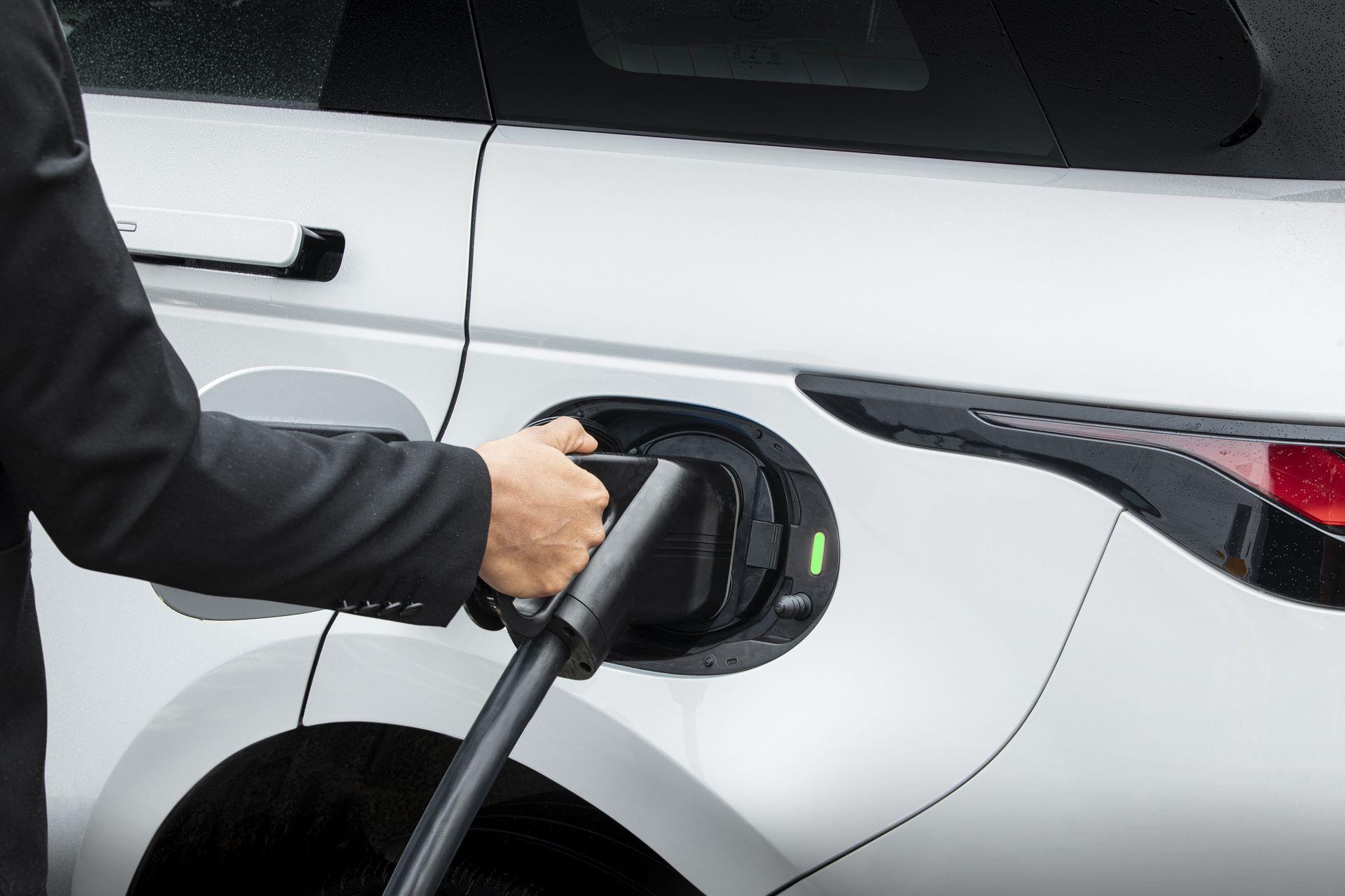 Plug-in-hybrid-Rabge-Rover-Evoque-PHEV-11