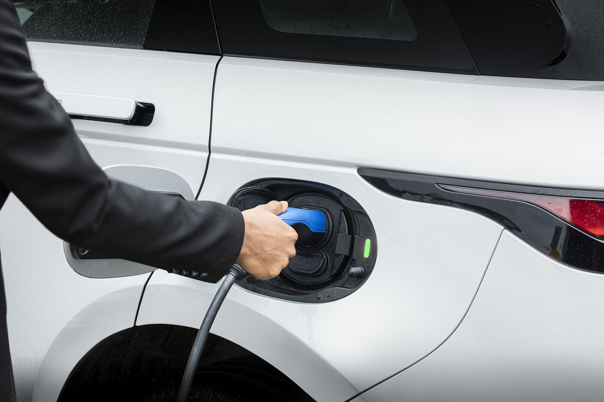Plug-in-hybrid-Rabge-Rover-Evoque-PHEV-9
