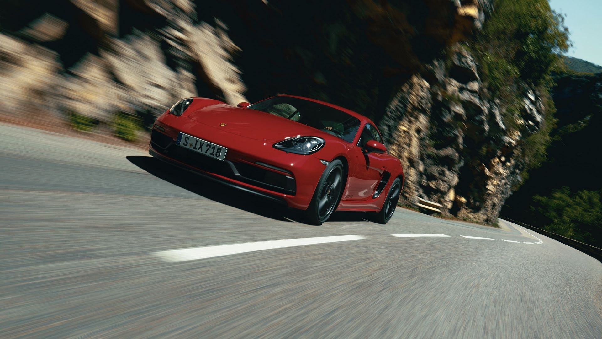 Porsche-718-Boxster-GTS-4.0-and-718-Cayman-GTS-4.0-1