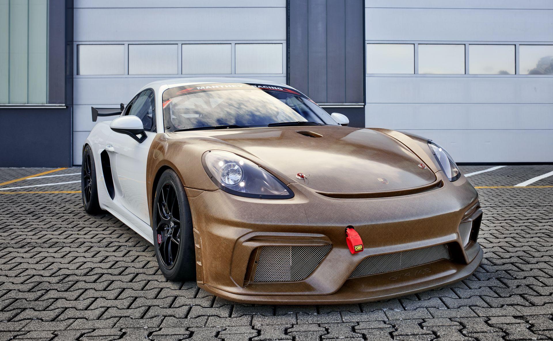 Porsche-718-Cayman-GT4-MR-natural-fiber-bodykit-3