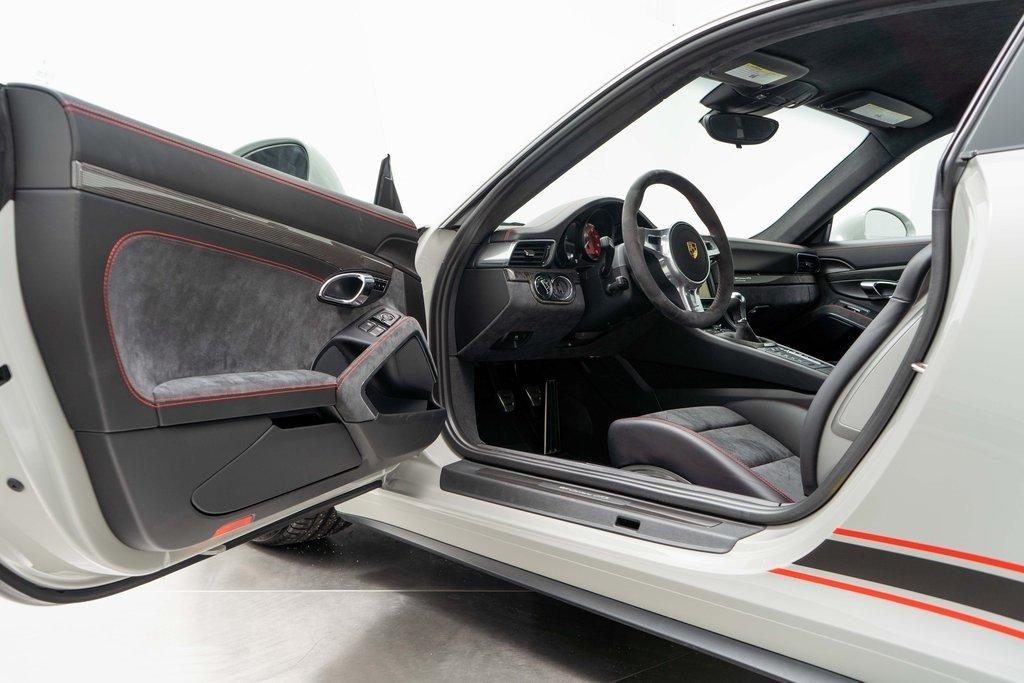 Porsche_911_Carrera_GTS_Rennsport_Reunion_Edition_sale_0020