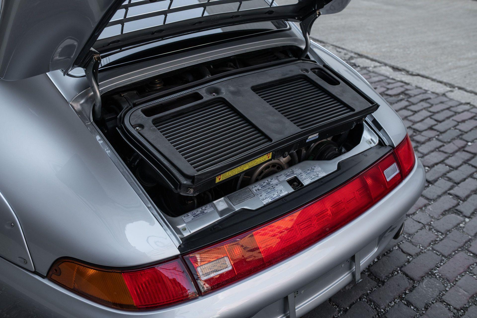 Porsche-911-GT2-14