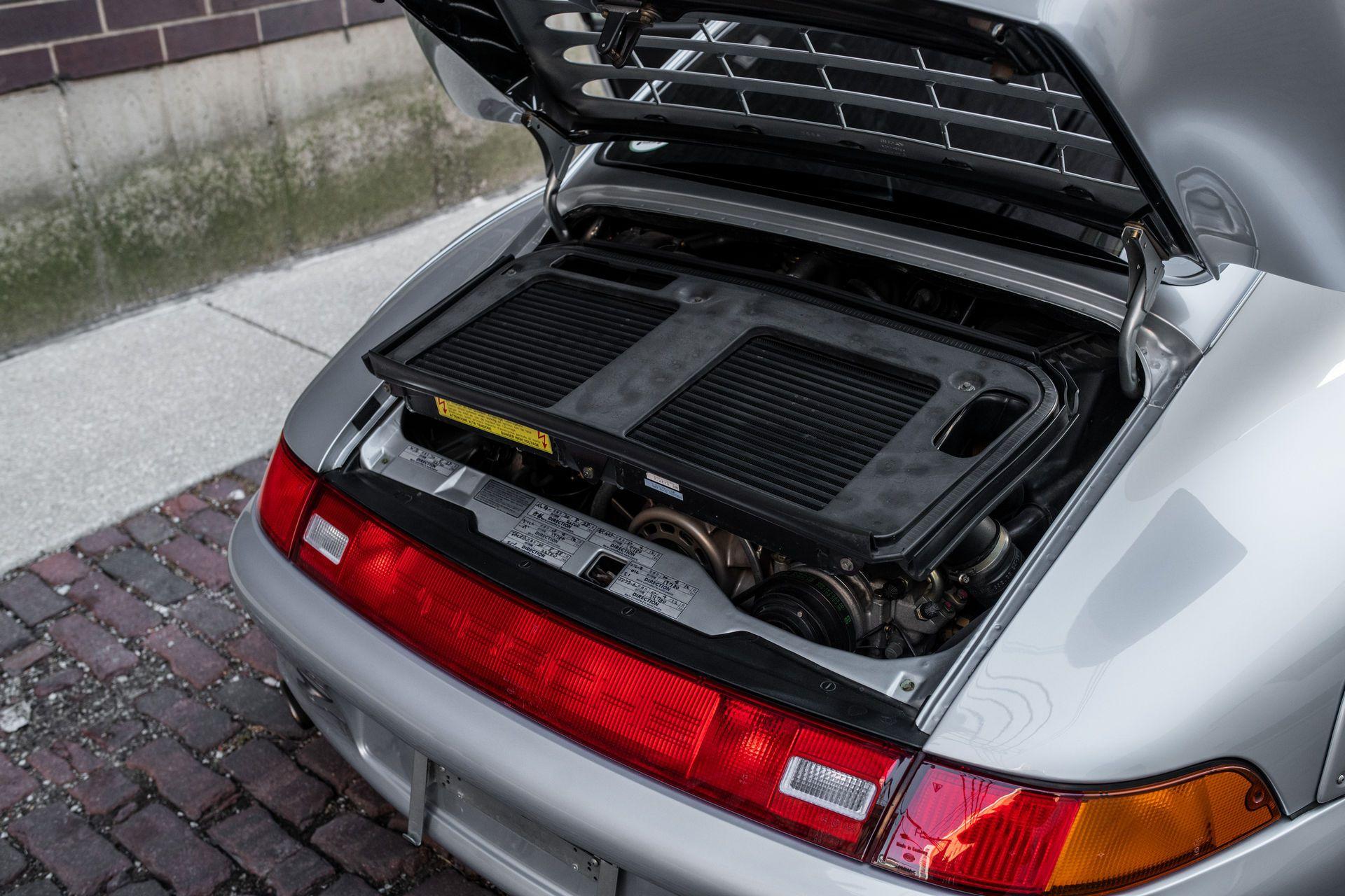 Porsche-911-GT2-17