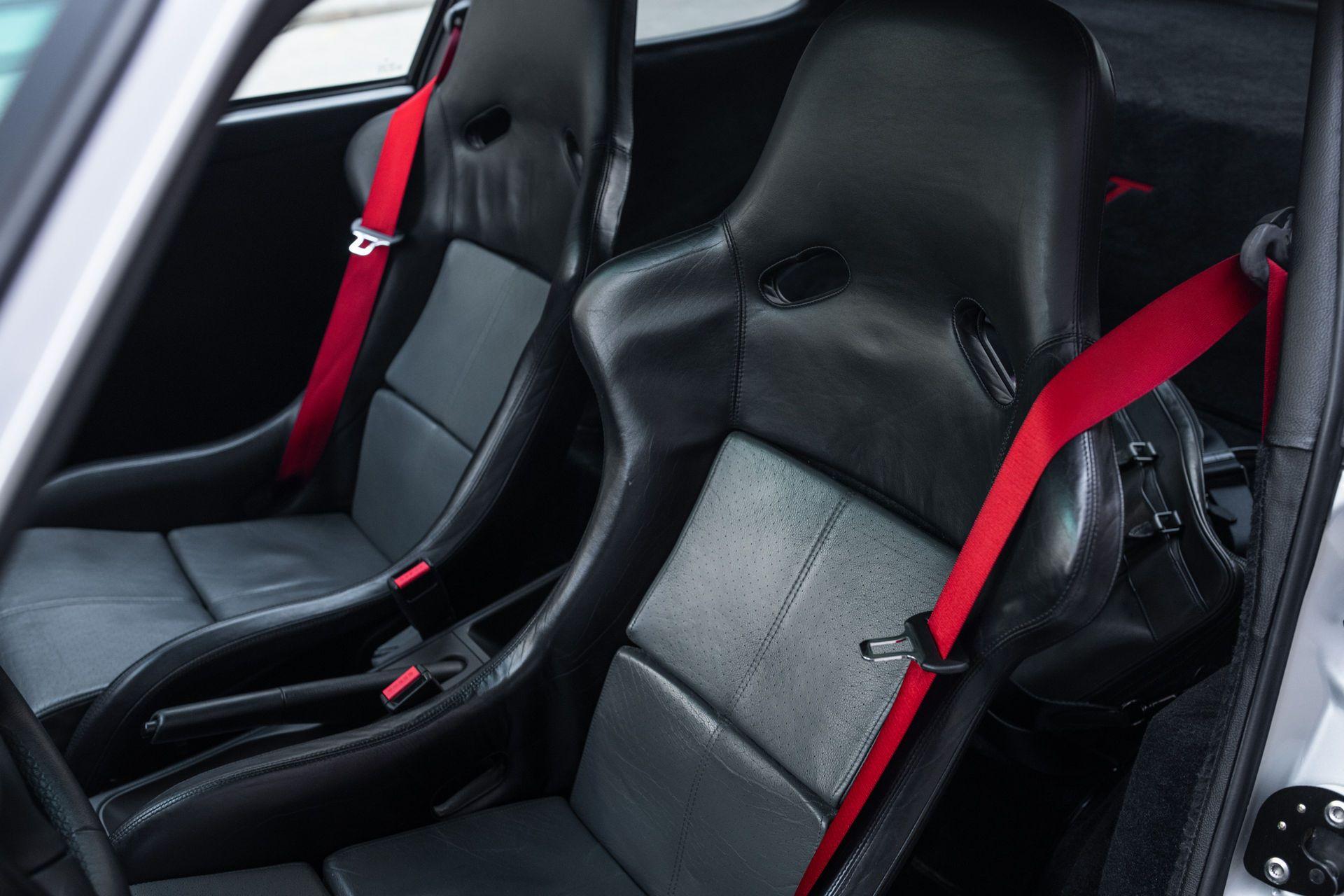 Porsche-911-GT2-18