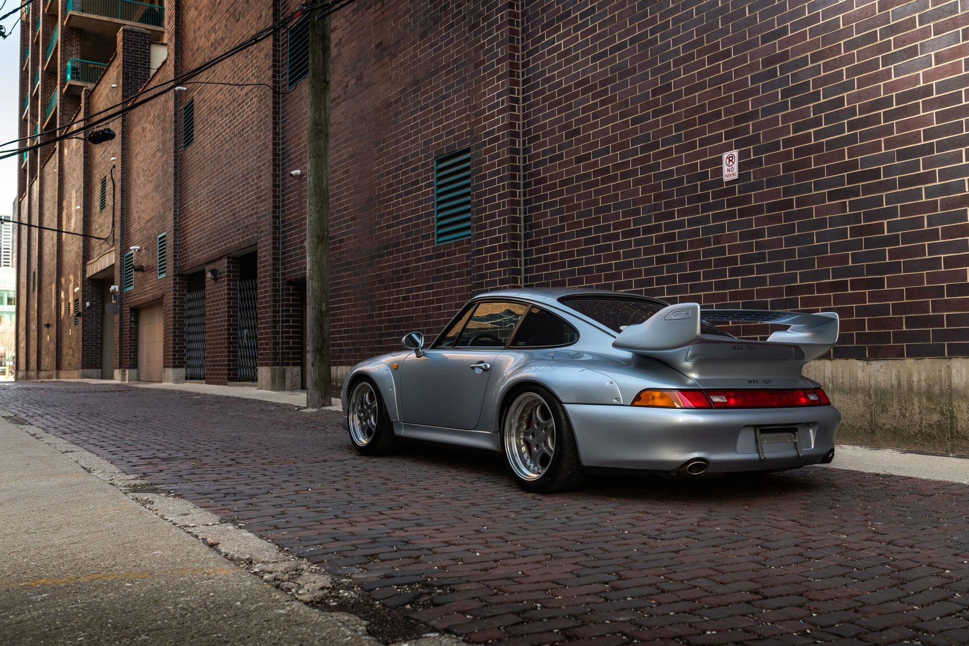 Porsche-911-GT2-2