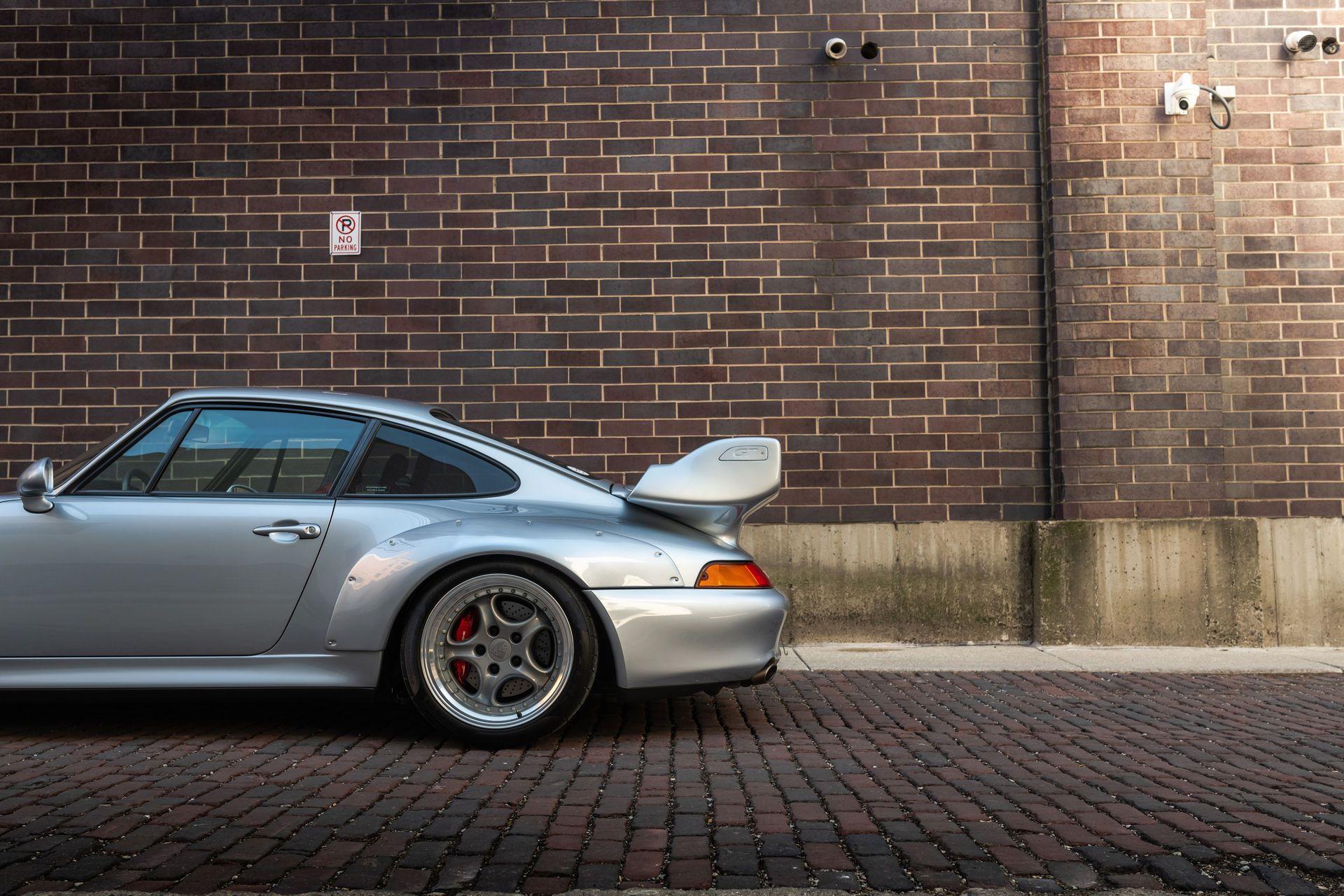 Porsche-911-GT2-20