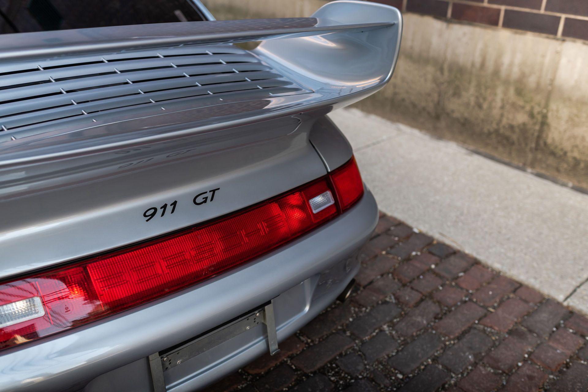 Porsche-911-GT2-21