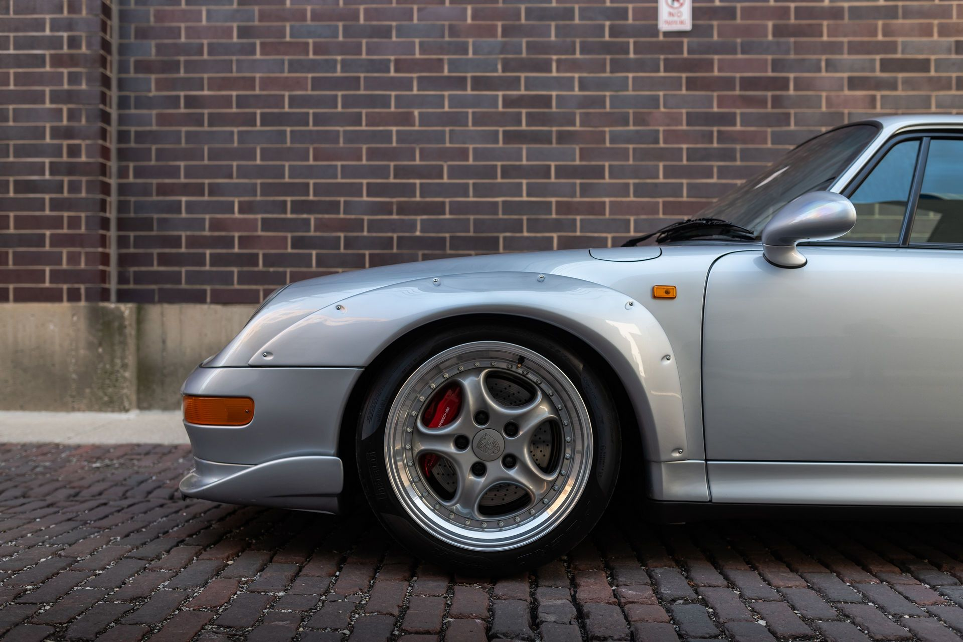 Porsche-911-GT2-22