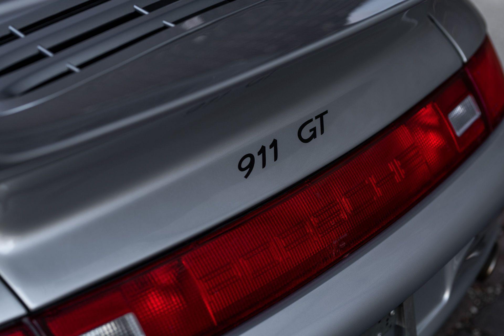 Porsche-911-GT2-28