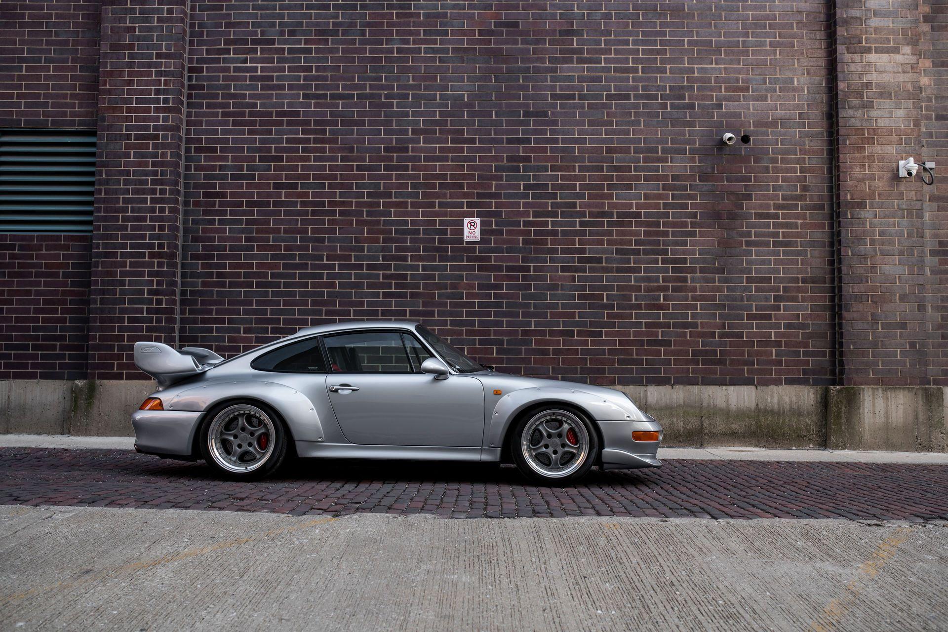 Porsche-911-GT2-3