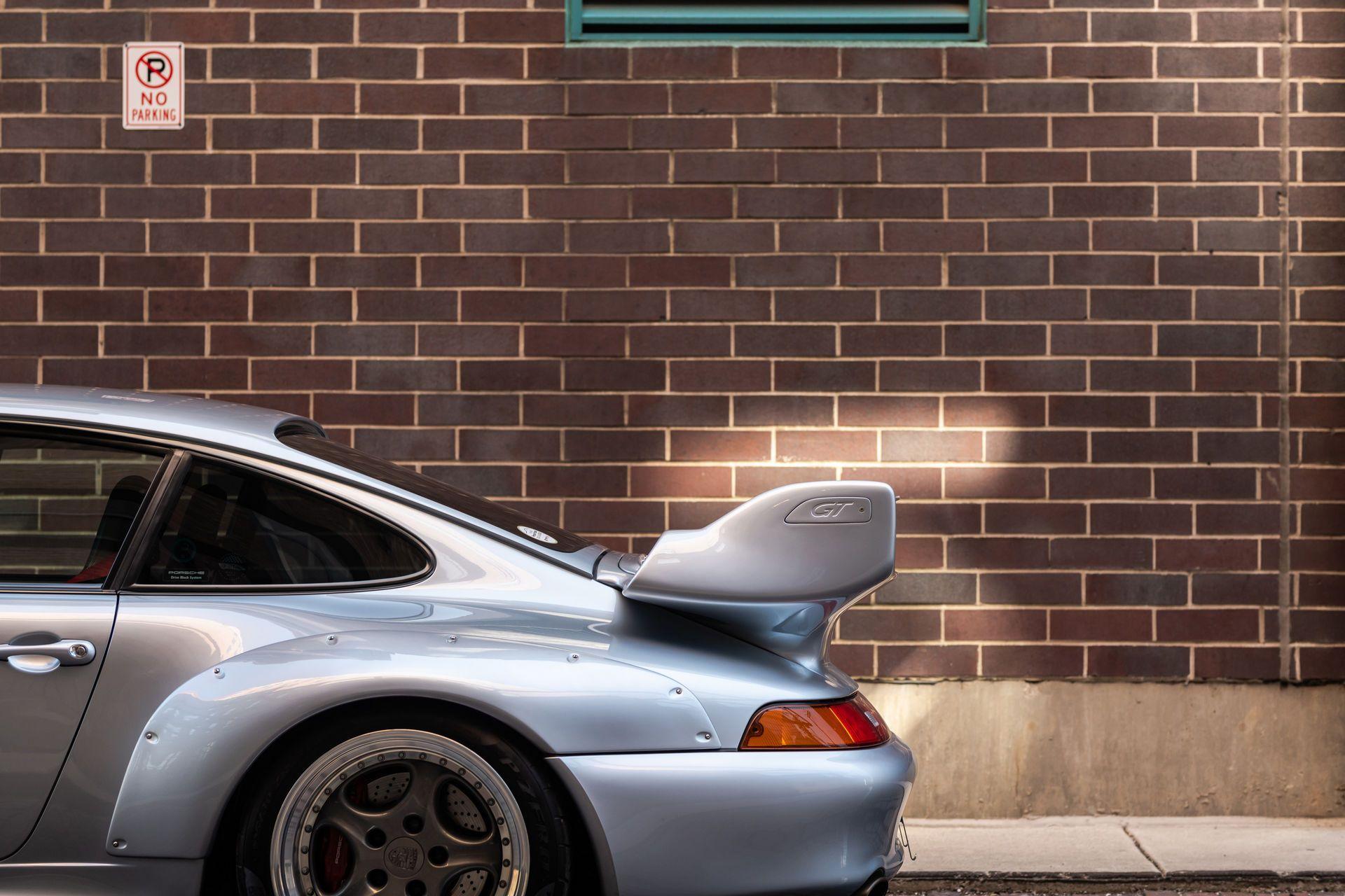 Porsche-911-GT2-32