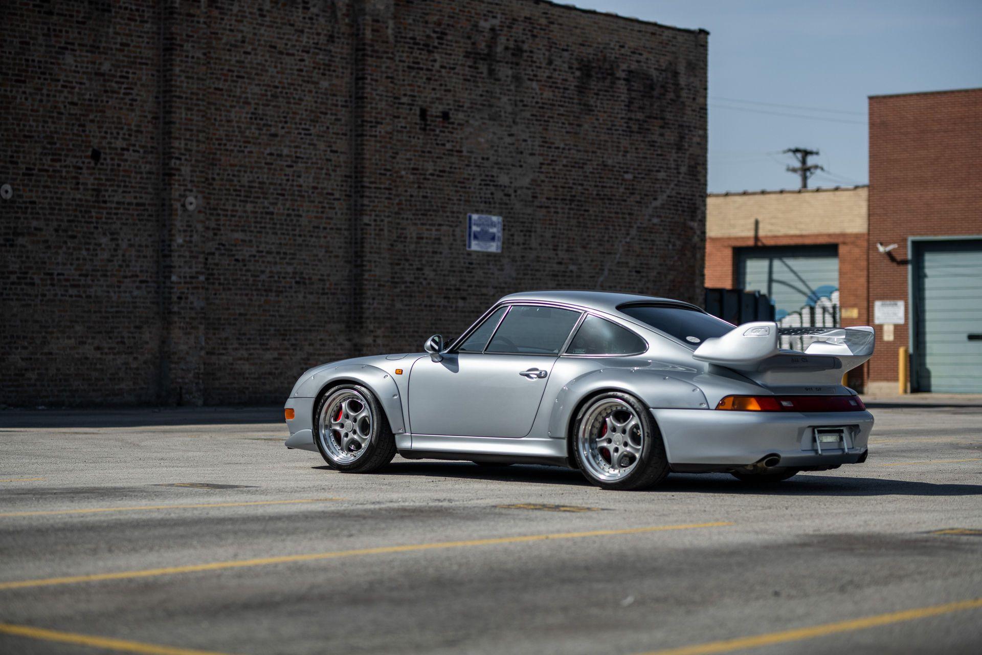 Porsche-911-GT2-34