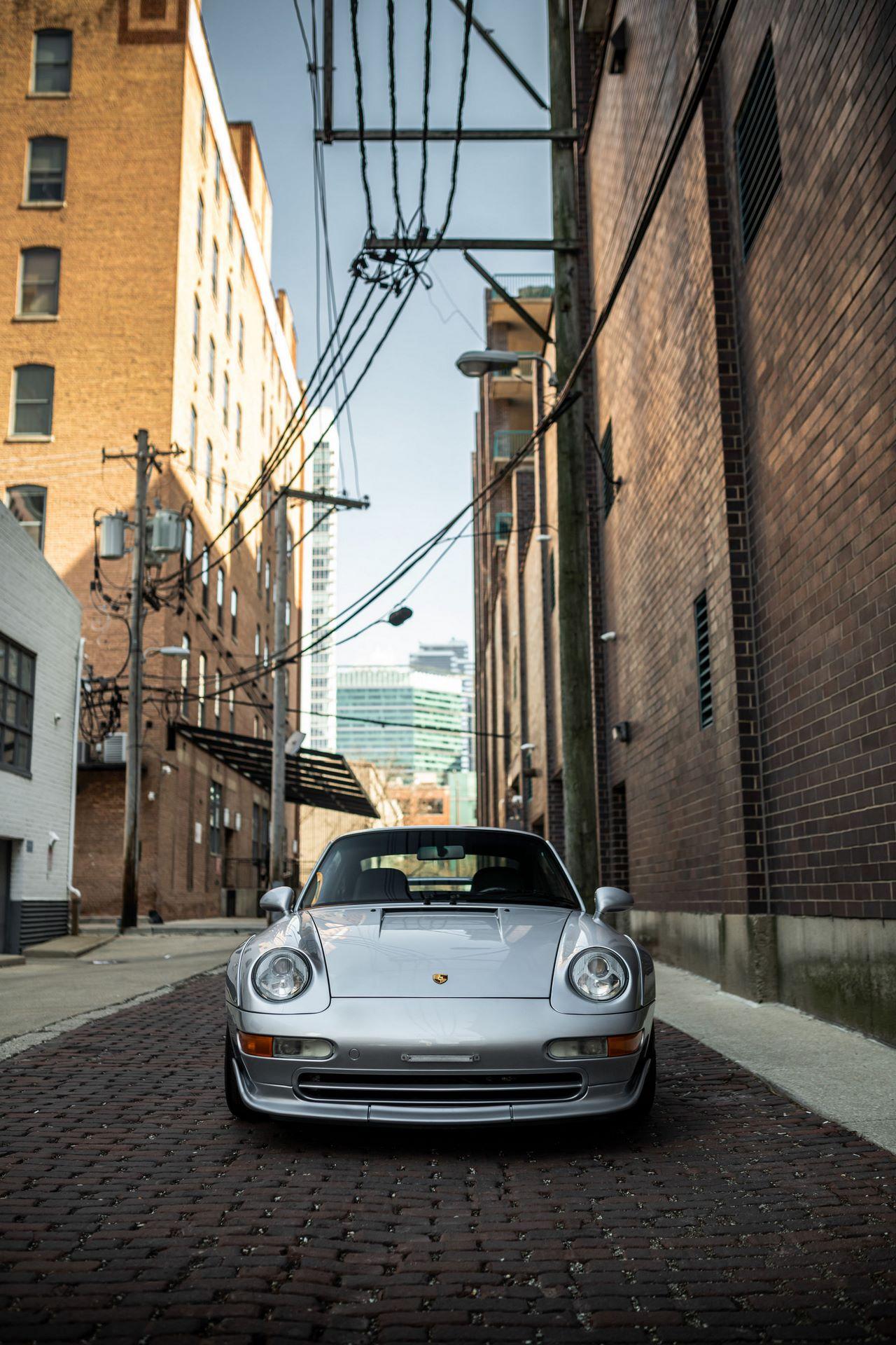 Porsche-911-GT2-4