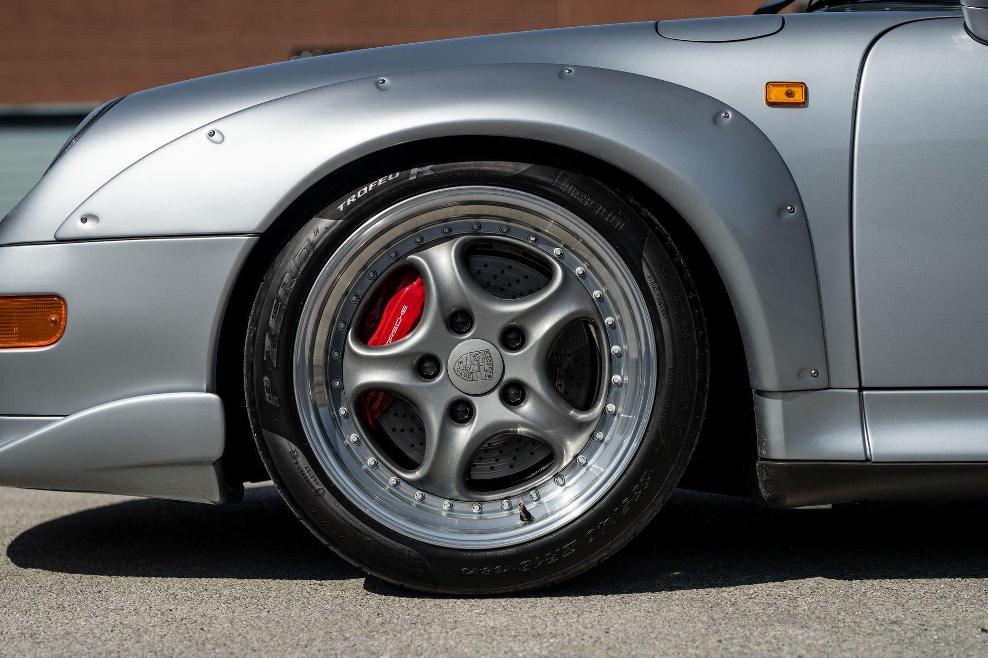 Porsche-911-GT2-41