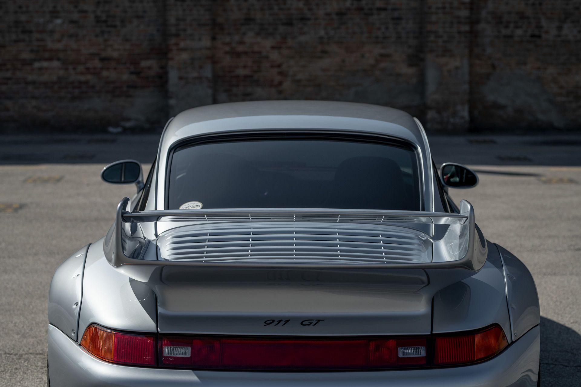Porsche-911-GT2-43