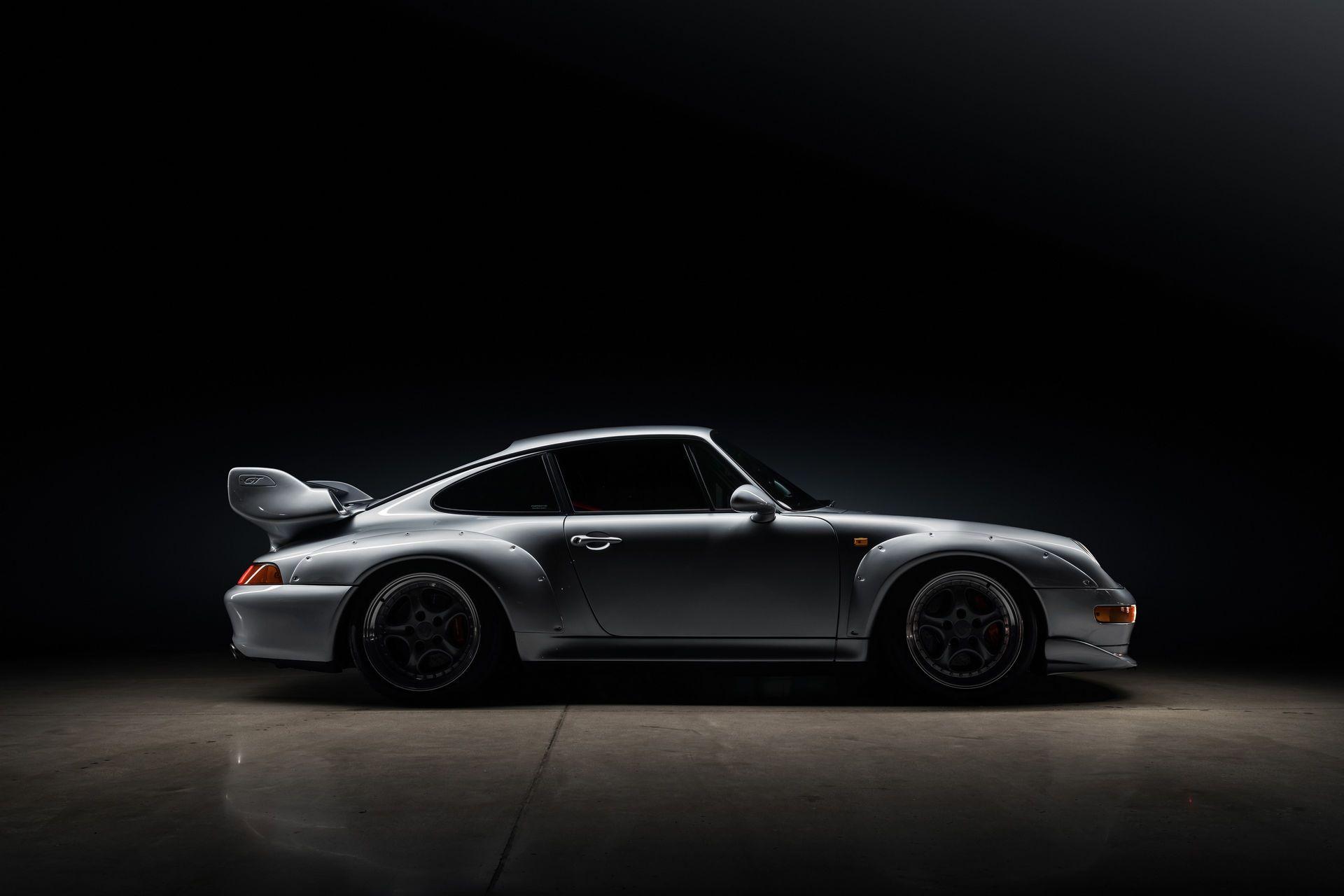 Porsche-911-GT2-45