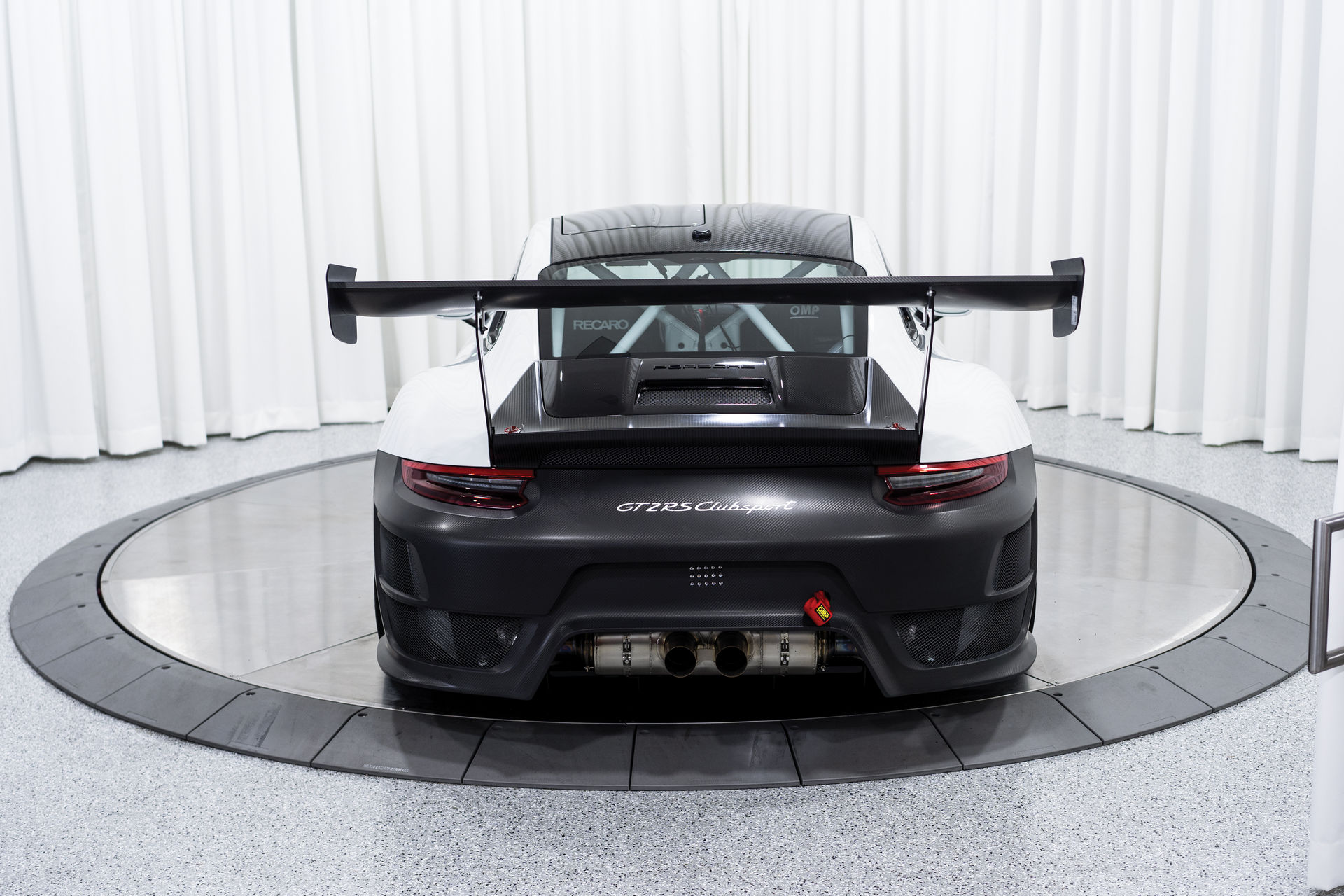 Porsche-911-GT2-RS-Clubsport-auction-12