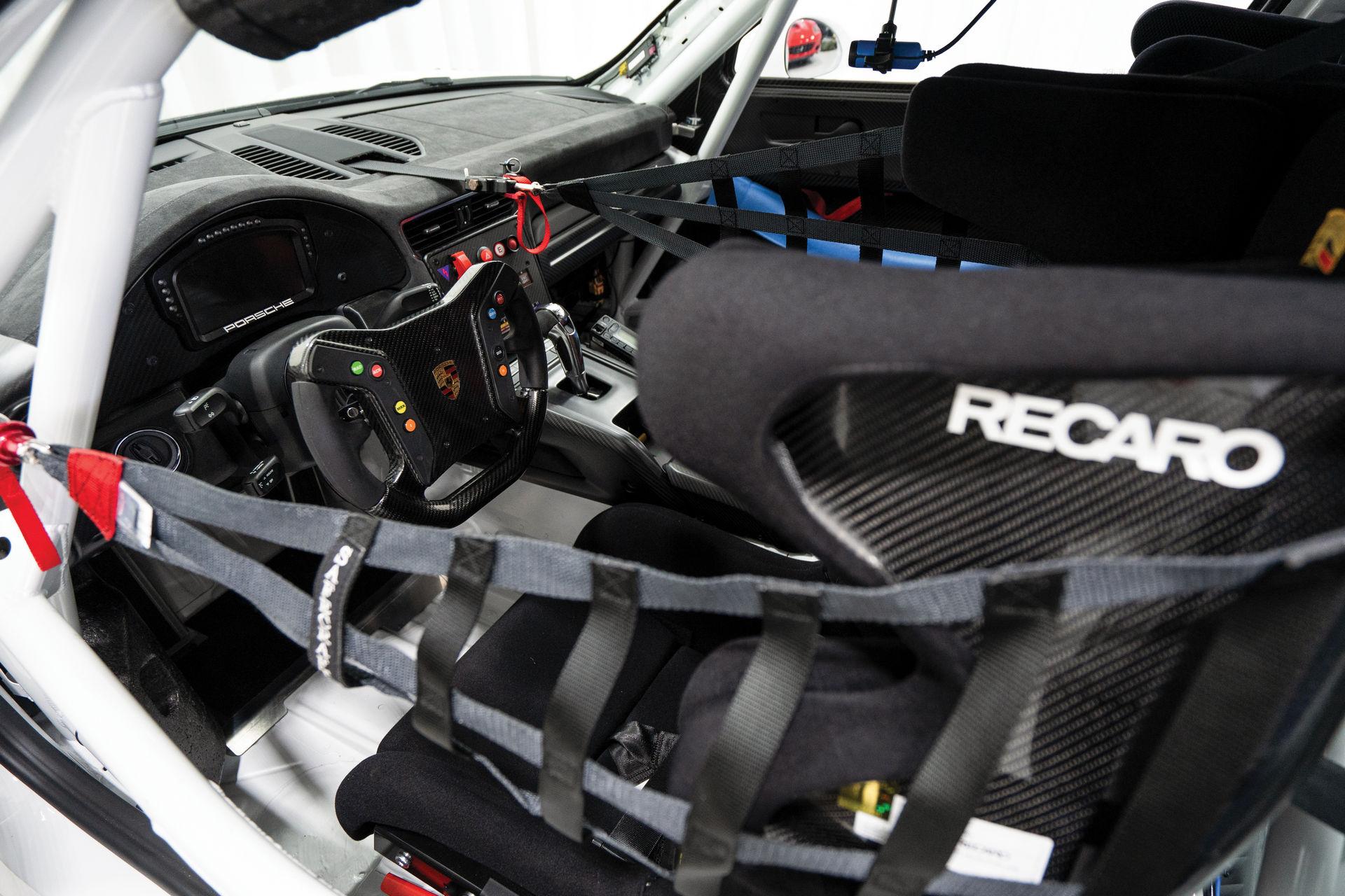 Porsche-911-GT2-RS-Clubsport-auction-13
