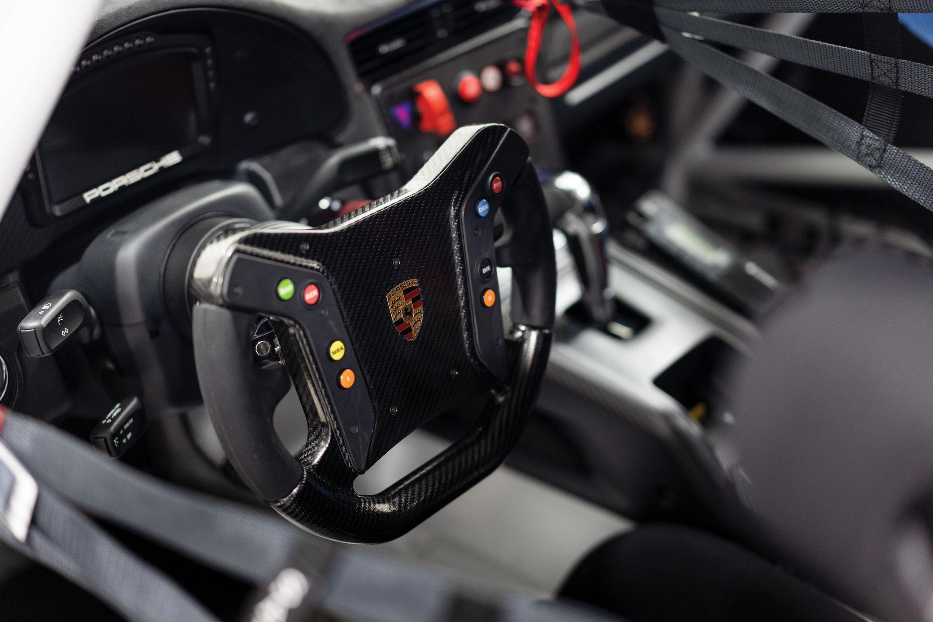 Porsche-911-GT2-RS-Clubsport-auction-14