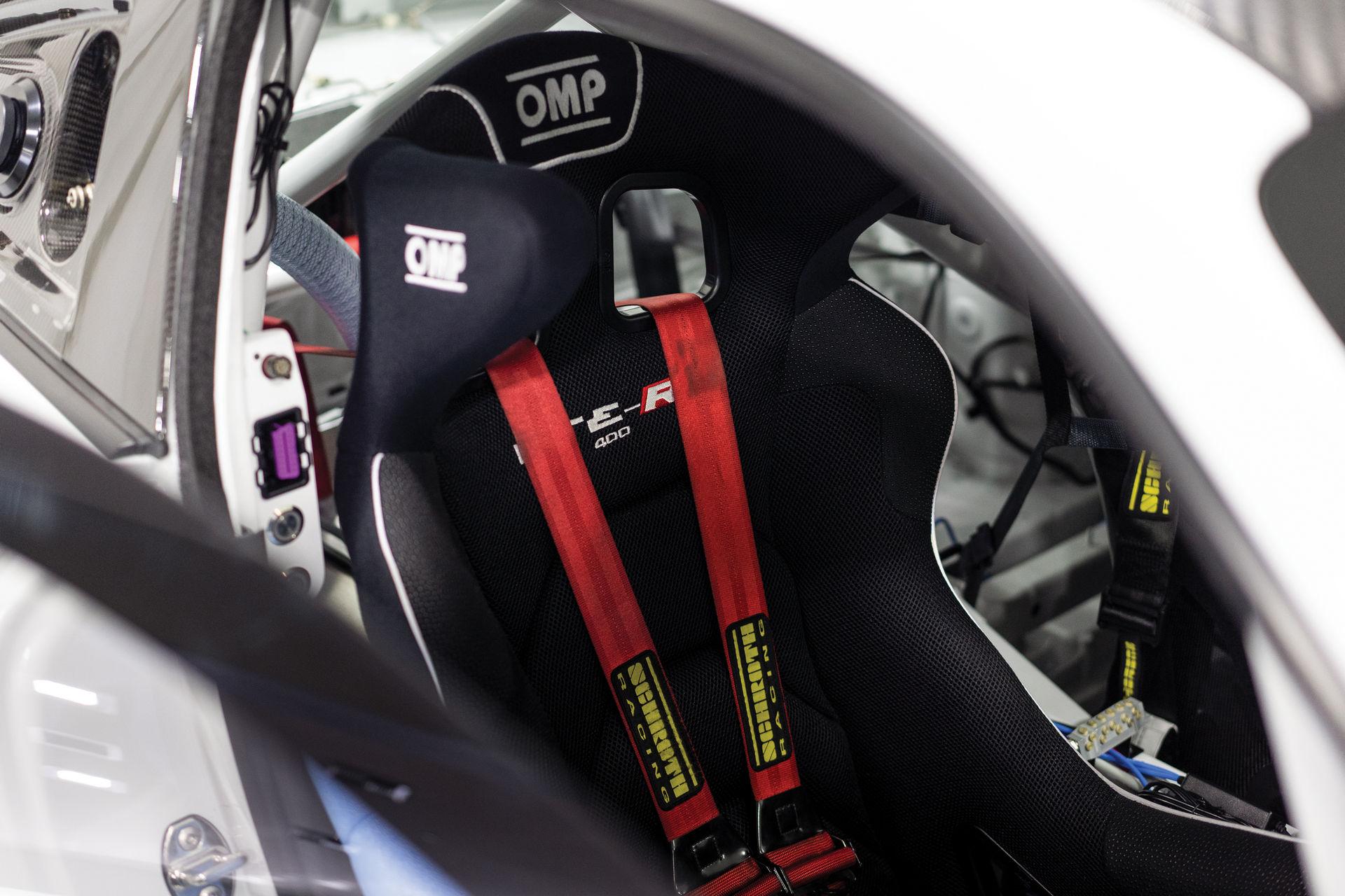 Porsche-911-GT2-RS-Clubsport-auction-17