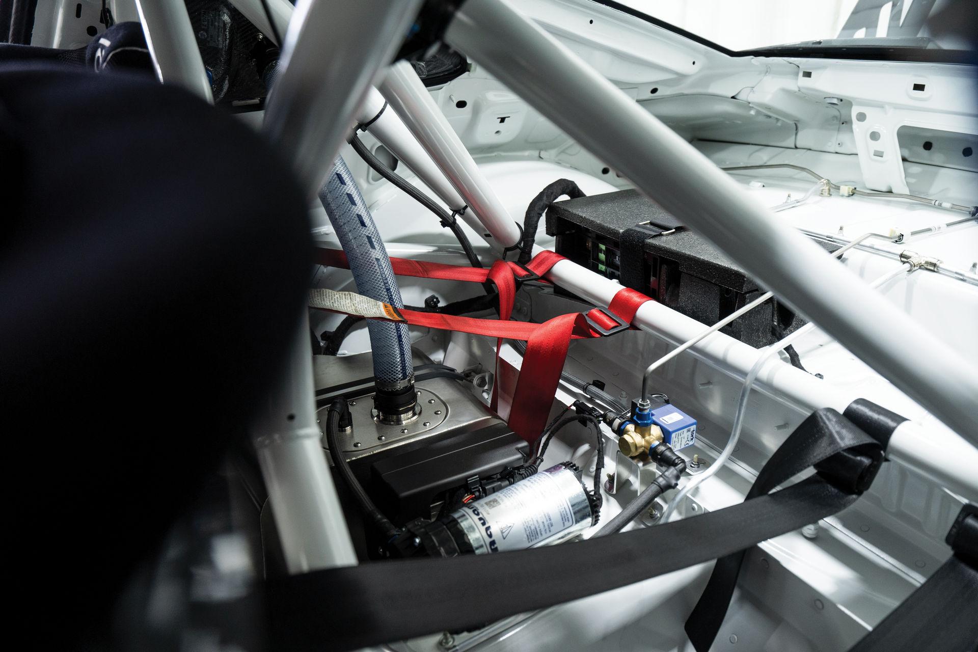 Porsche-911-GT2-RS-Clubsport-auction-20