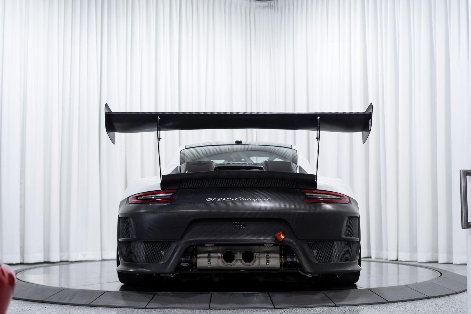 Porsche-911-GT2-RS-Clubsport-auction-3