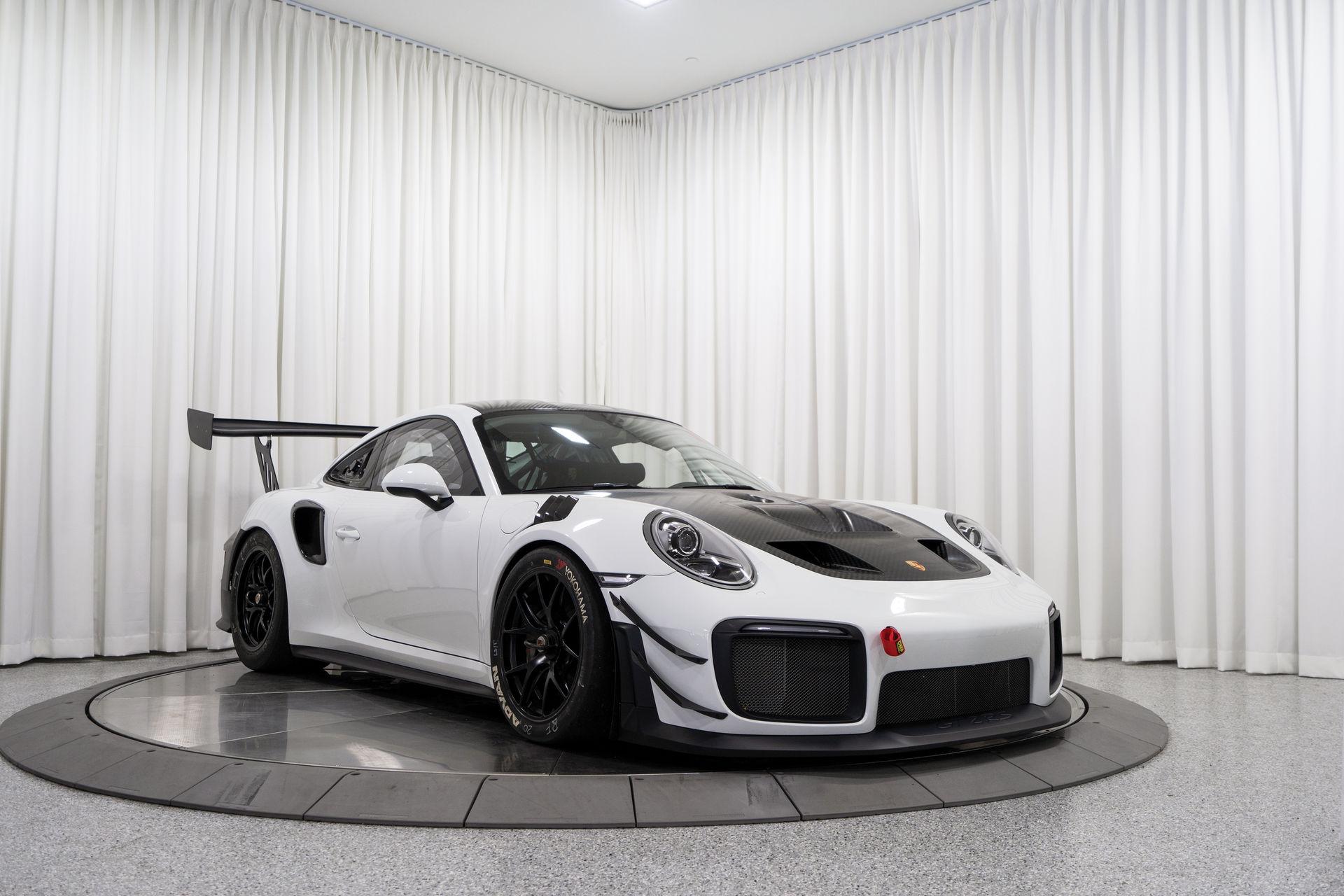 Porsche-911-GT2-RS-Clubsport-auction-4