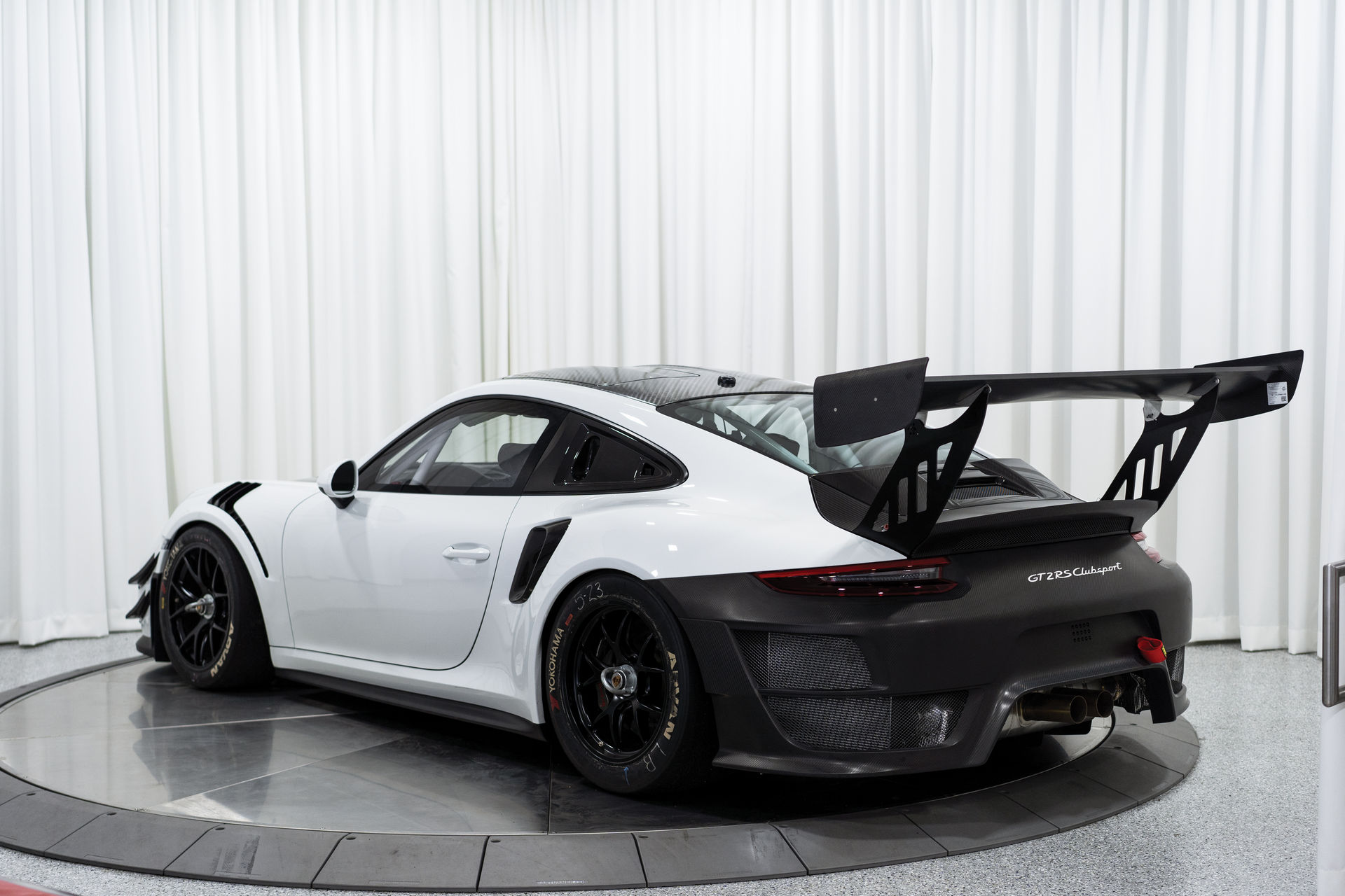 Porsche-911-GT2-RS-Clubsport-auction-5