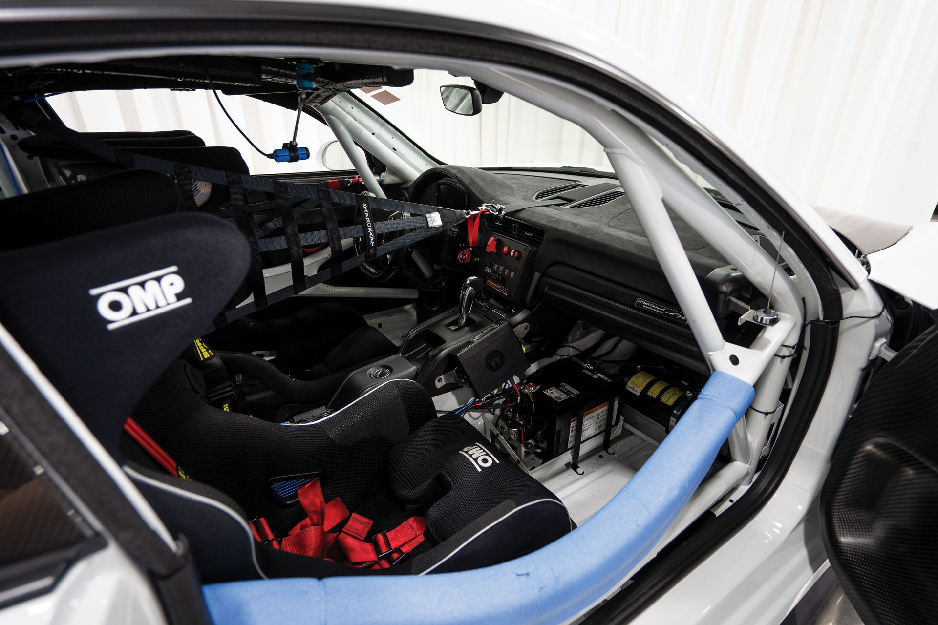 Porsche-911-GT2-RS-Clubsport-auction-7