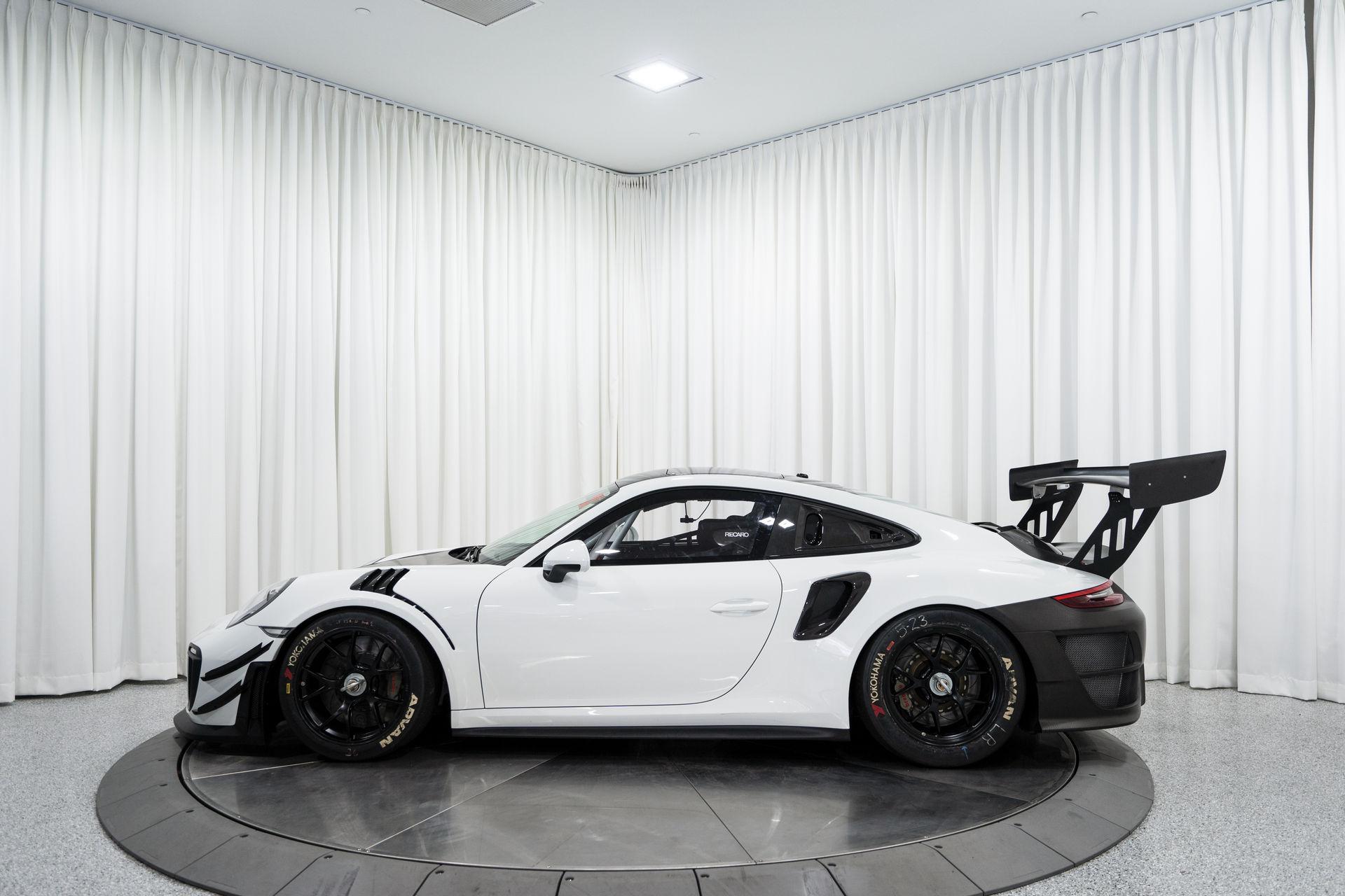 Porsche-911-GT2-RS-Clubsport-auction-8