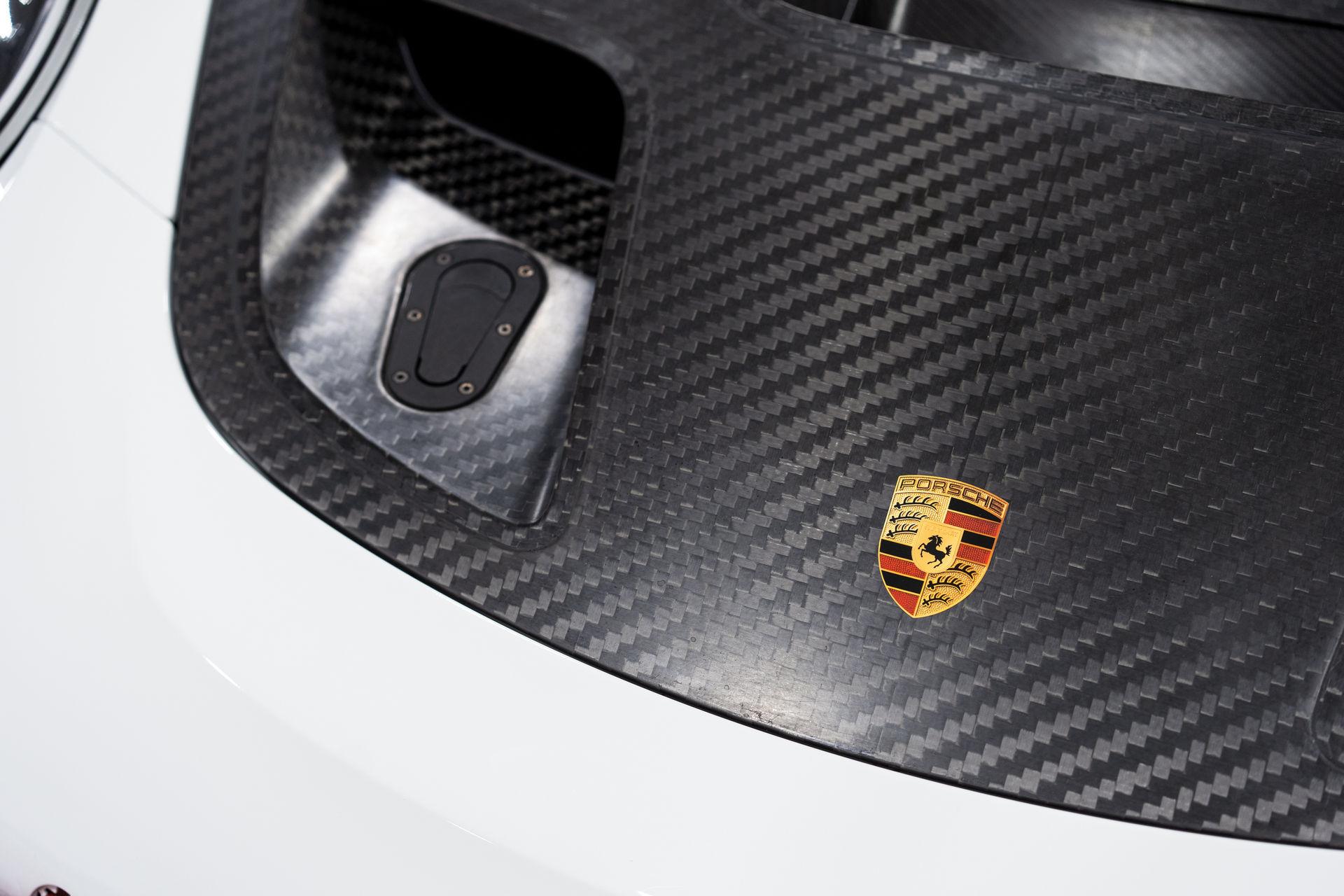 Porsche-911-GT2-RS-Clubsport-auction-9