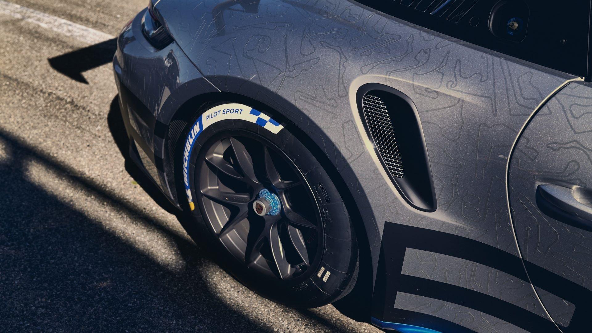 Porsche-911-GT3-Cup-2021-12